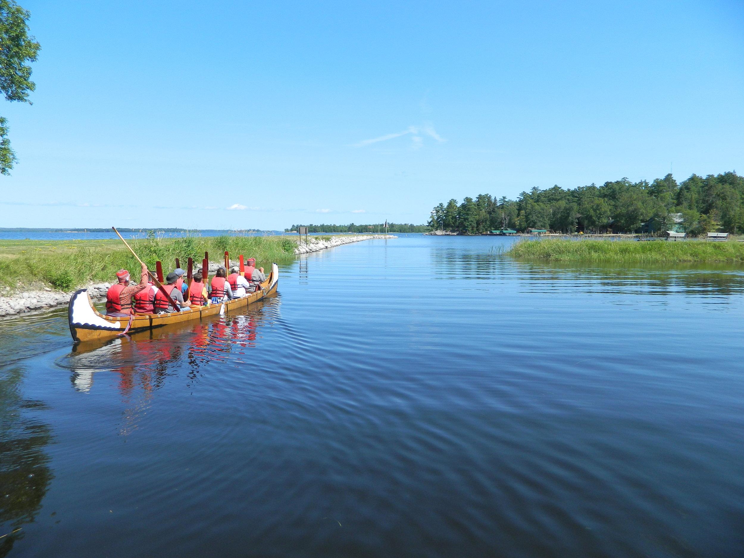 Voyageur canoe photo by National Park Service.JPG