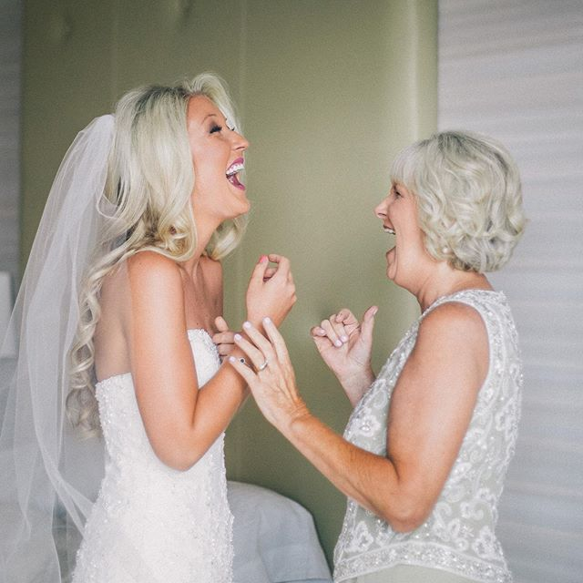 Happy Mother's Day! This is one of my favorite moments to capture between mother and daughter 💞 :  #stylemepretty #theknotfashion #mothersday #bride #lasvegasweddingphotographer #destinationweddingphotographer #bridesrealweddings #marthaweddings #weddingwire #weddingchicks #LSxGWS #GWSxMumu #brides_style