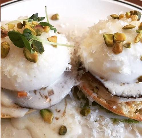 'Italian Benny': Porchetta, Fonduta & Eggs