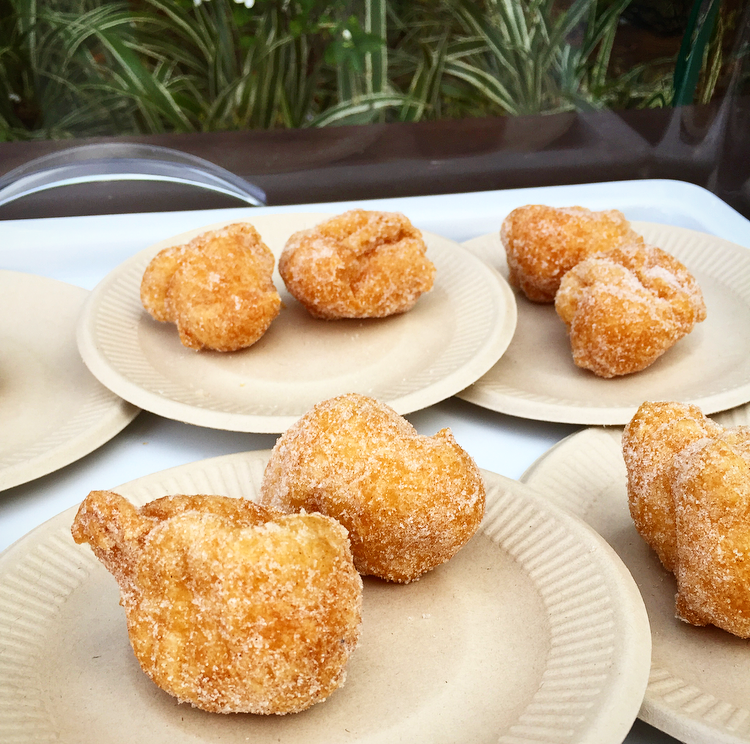 Bunuelos de viento. You had the option of airy cinnamon sugar or a chocolate filled one.