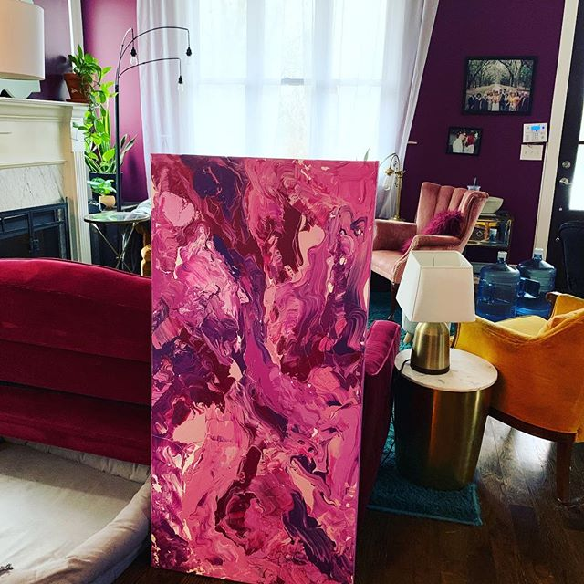 As I was about to see this painting off to it's new home I realized how good it looked in my living room 😂. Hope it brings some fun to it's new home. . . . . #painting #art #nashvilleartist #painter #artist #paint #nashvillestyle #nashvillegram #abstract #abstractart #artwork #artcollector #fluidpainting#artforsale #apartmenttherapy #artlovers #womenartists #artbuyers #buyart#decor#contemporaryart #handpainted #homedecor #interiordecor#loveart #livewithart #paint #paintingforsale#sellart