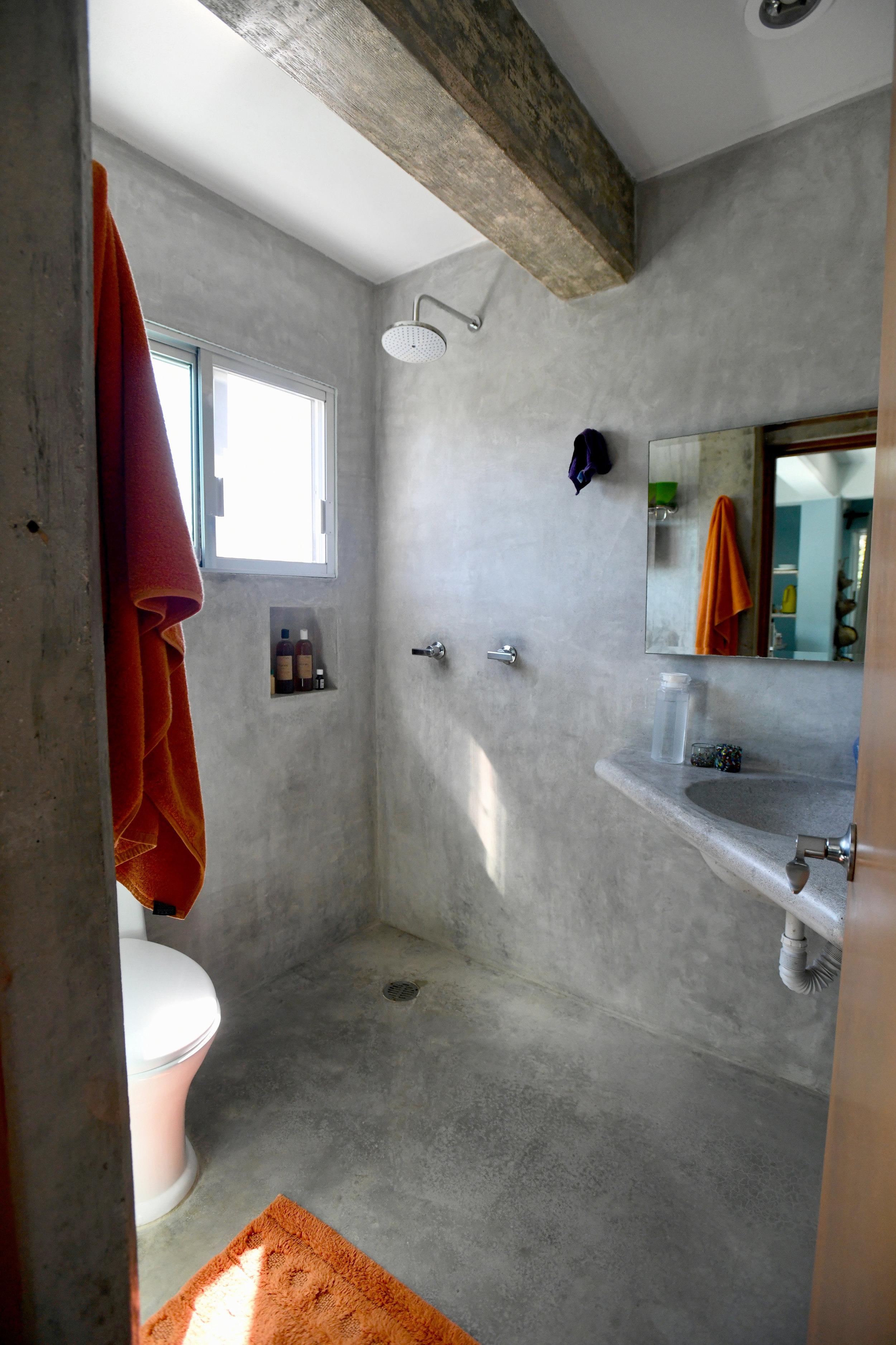 Loft 3 bathroom 3.jpg