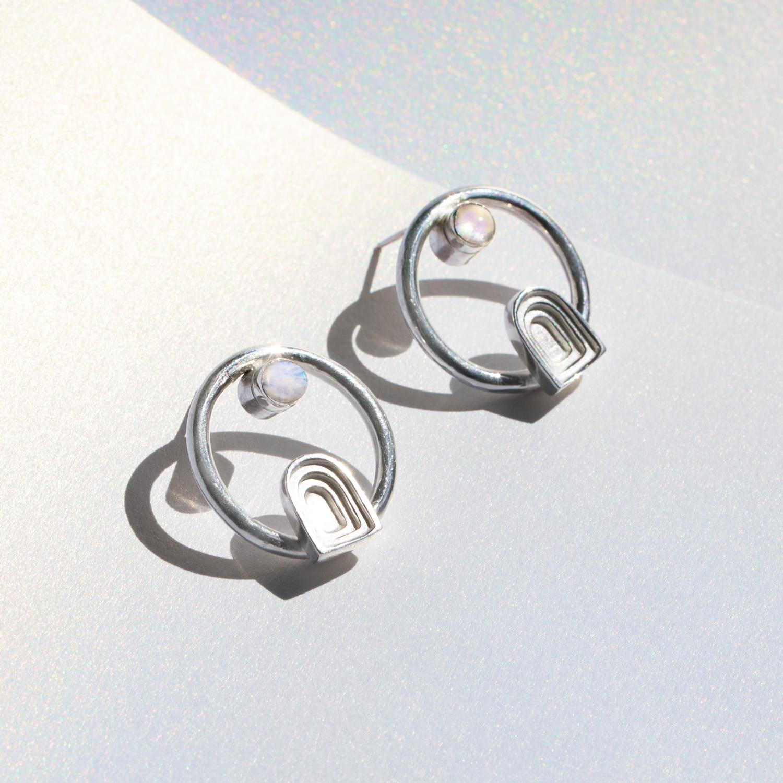 earrings_portal_circle_moonstone_1.jpg