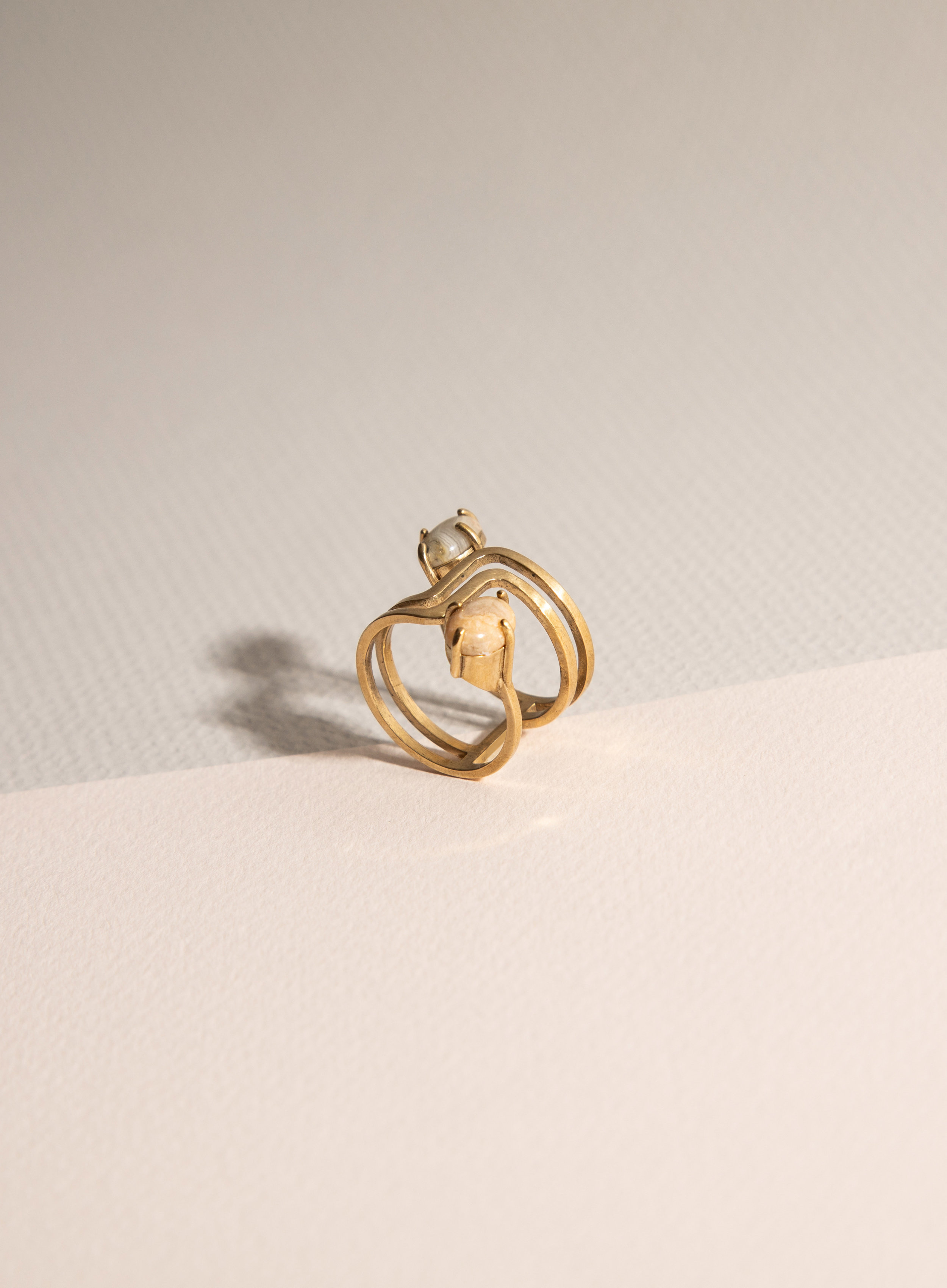 ring_double_stone_03.jpg