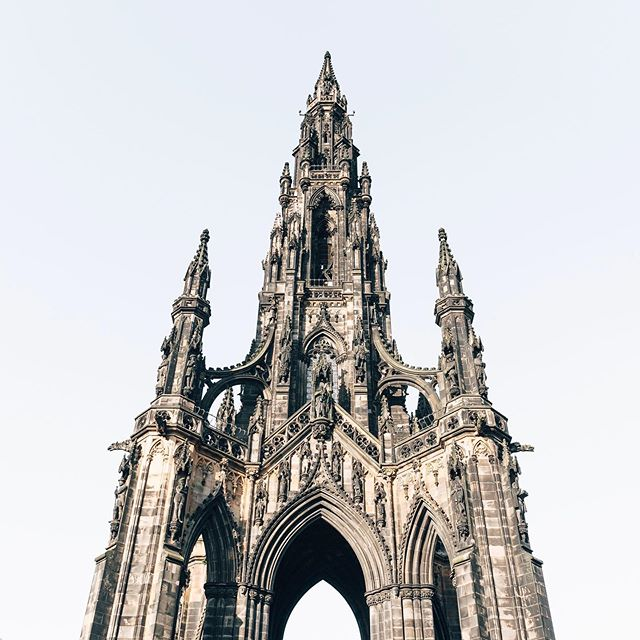 Sir Walter Scott Monument in Edinburgh😍