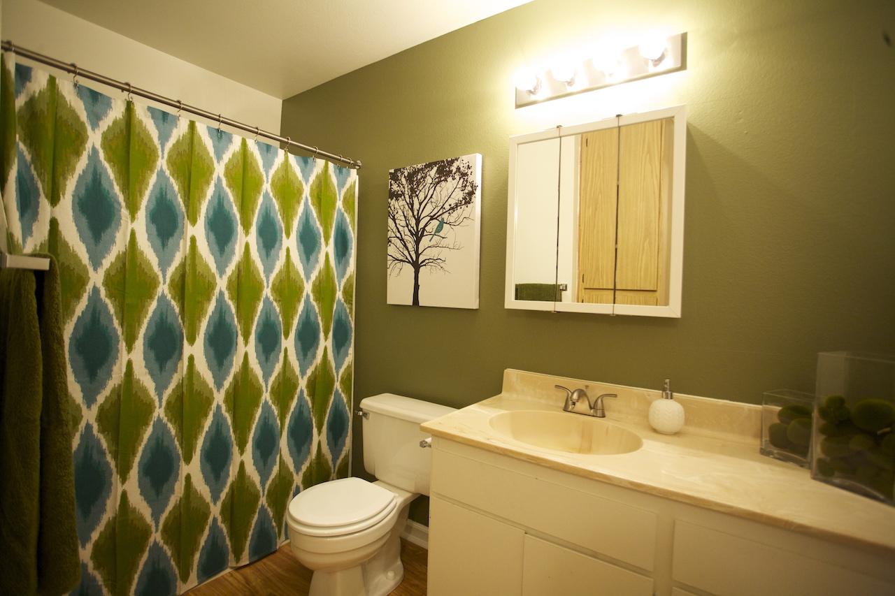 Dakota Creek Bathroom
