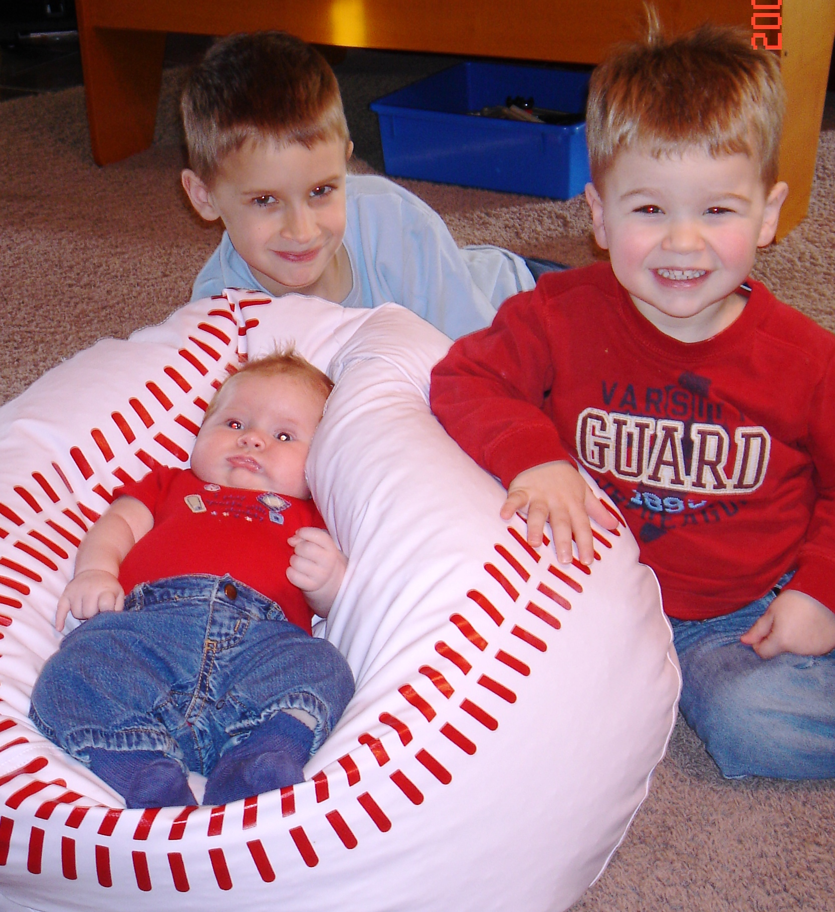 1- Newborn Kellen and brothers.jpg