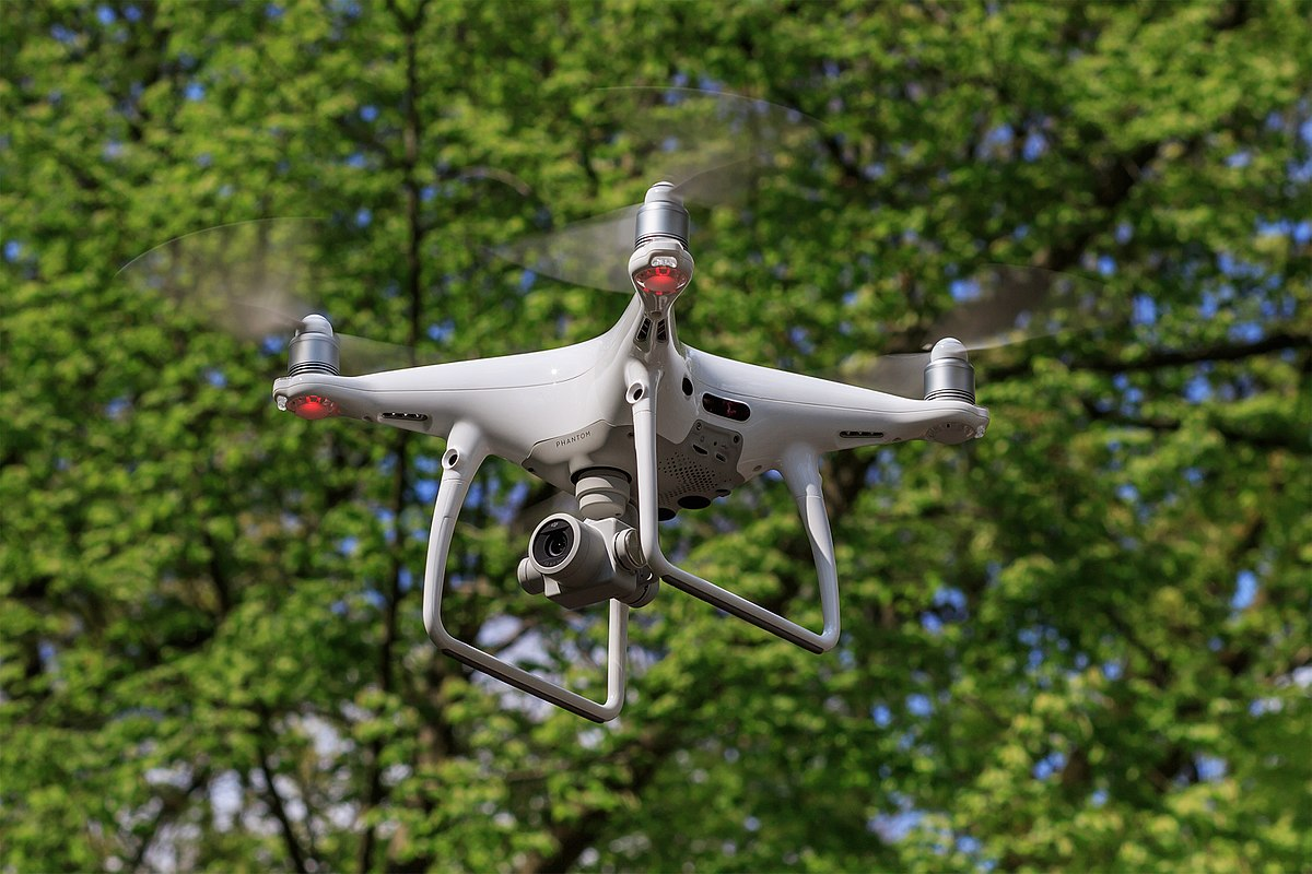 1200px-DJI_Phantom_4Pro_04-2017_img3_in_flight.jpg