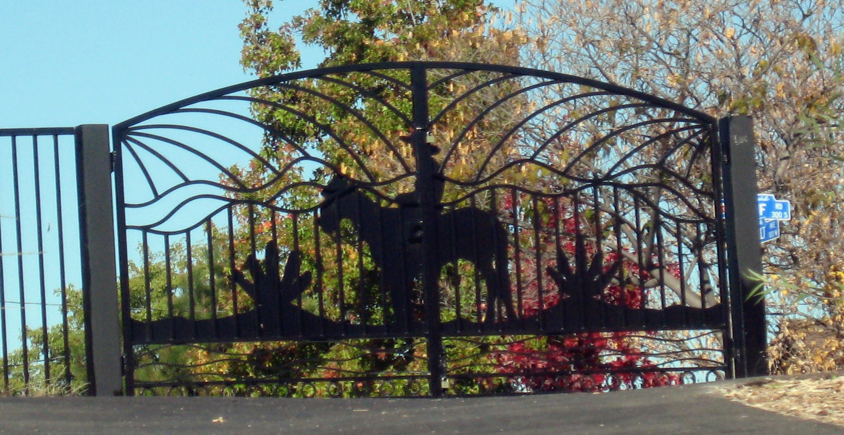 Park_Montebello_Roosevelt_Gate.jpg