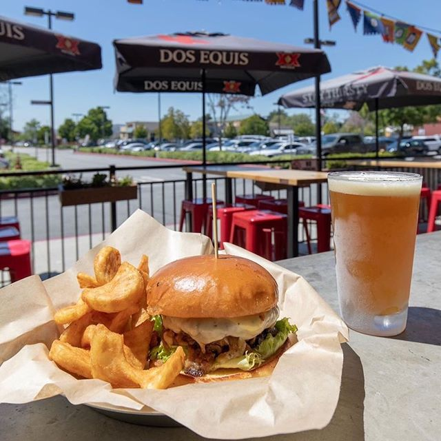 Patio hangs are on the menu this weekend. 📷: @temeculalife