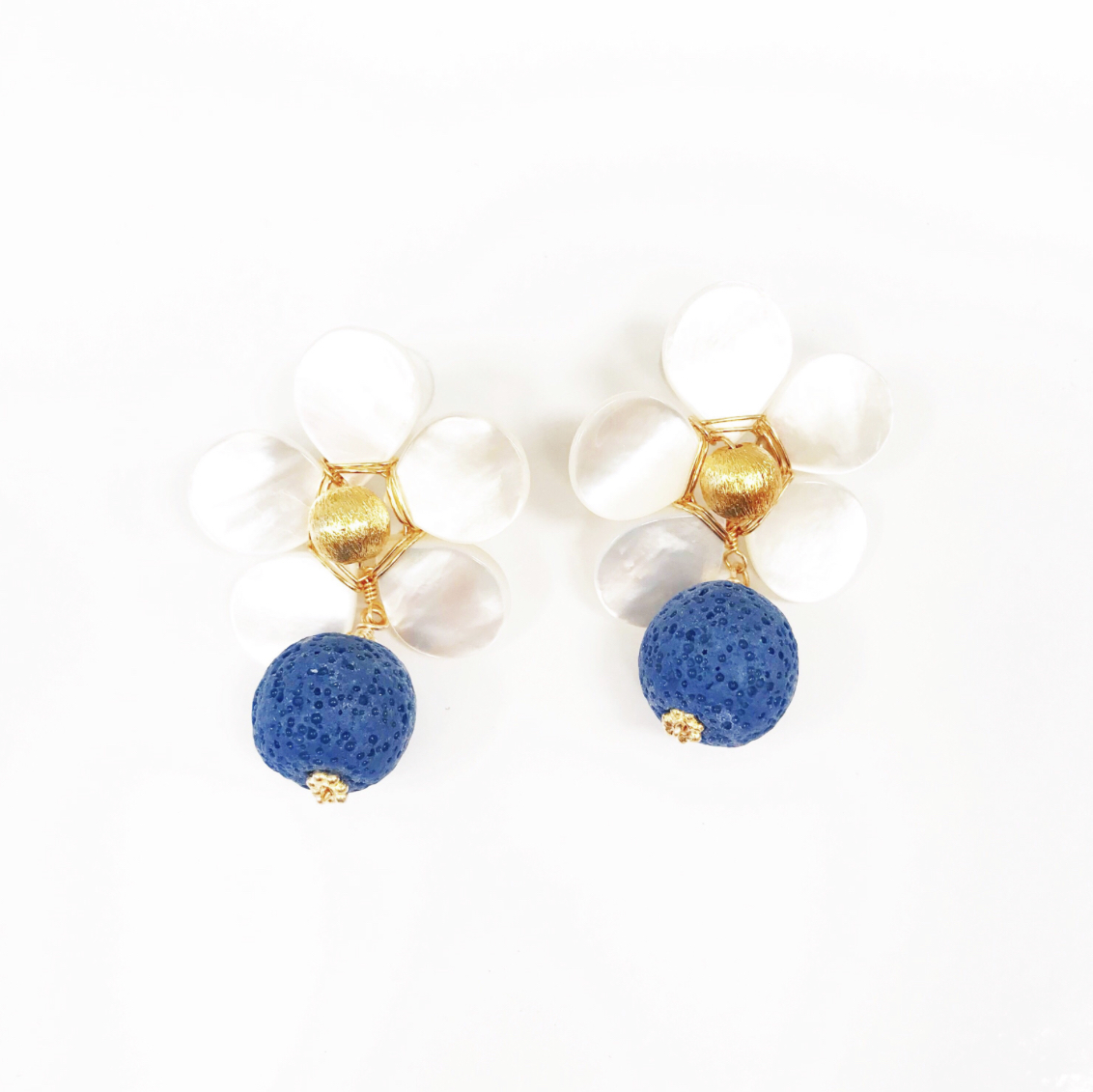 THE KATE SET - These darling flower earrings are the perfect statement piece!