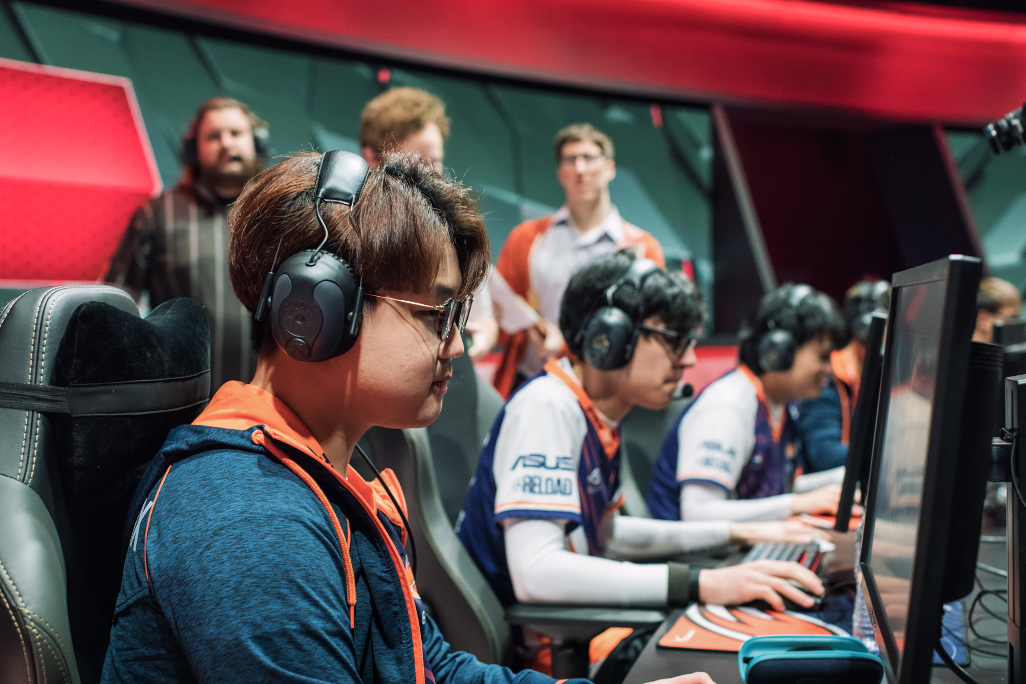 ECHO FOX OPENS SPRING SPLIT WITH A BANG   FEB 07, 2018