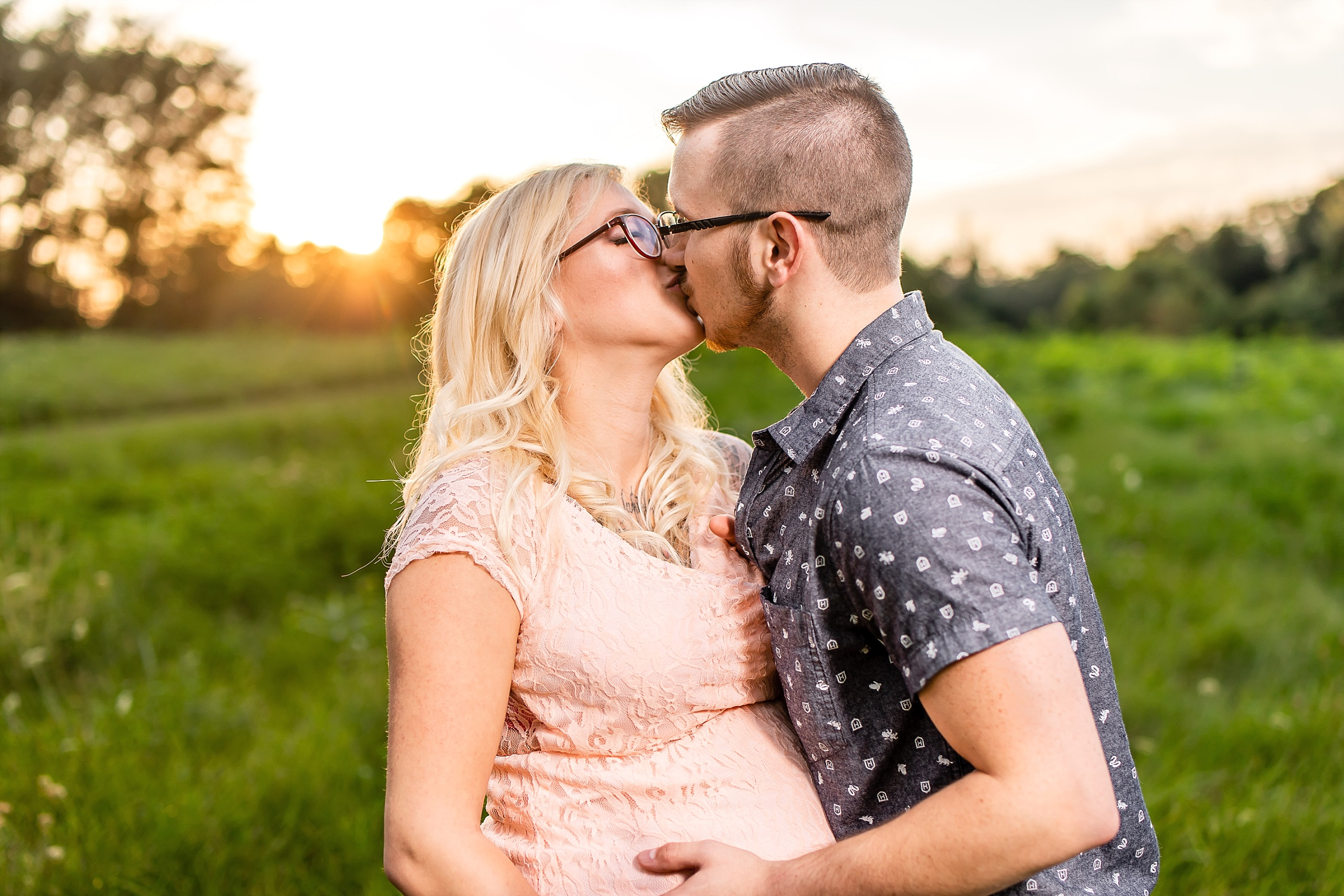 Indianapolis maternity photography avon town hall park (12).jpg