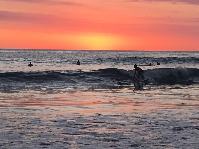 Wanderlust-blog-costa-rica-sunsets-surfer