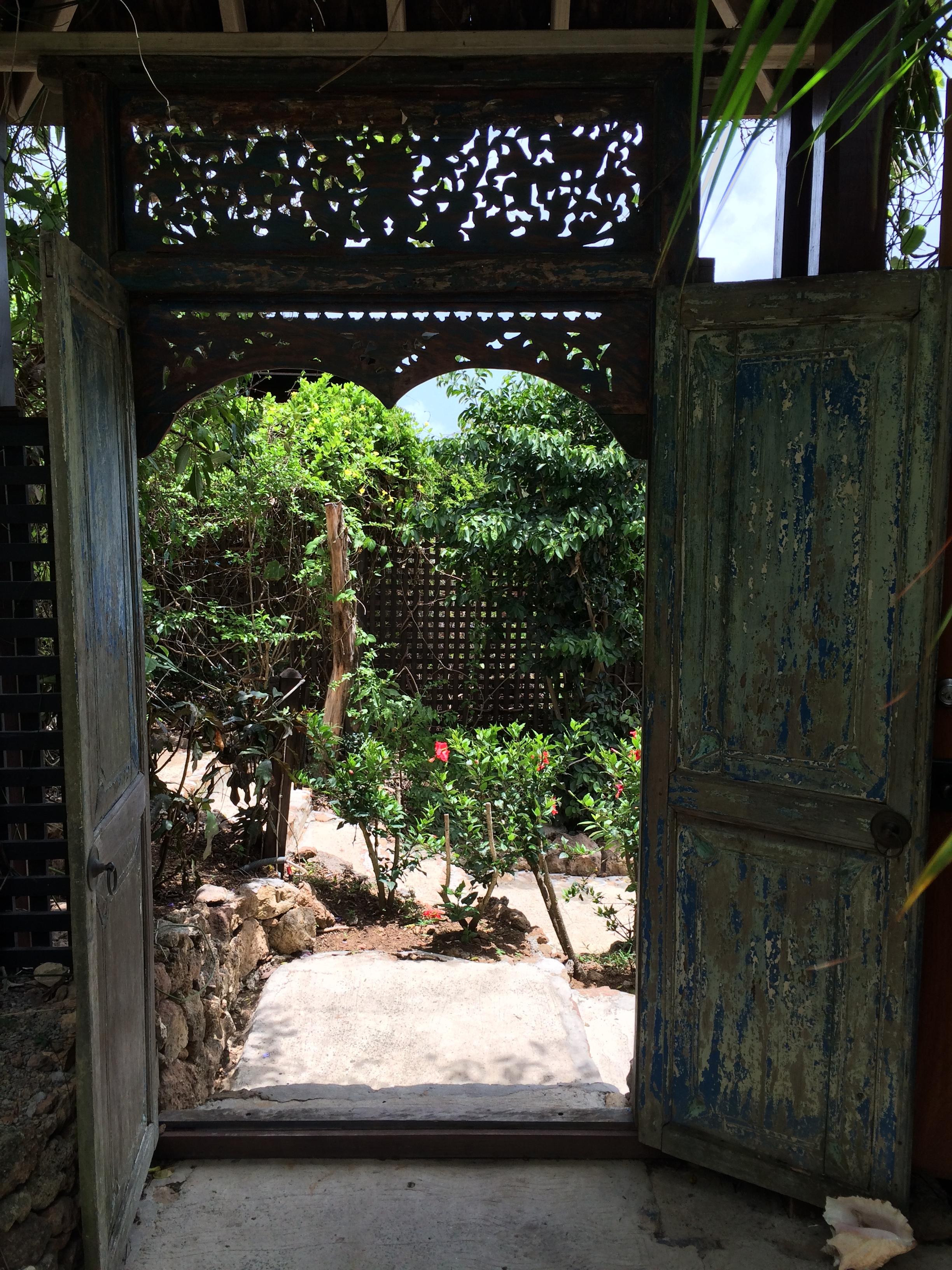 Wanderlust-blog-hermitag-bay-garden