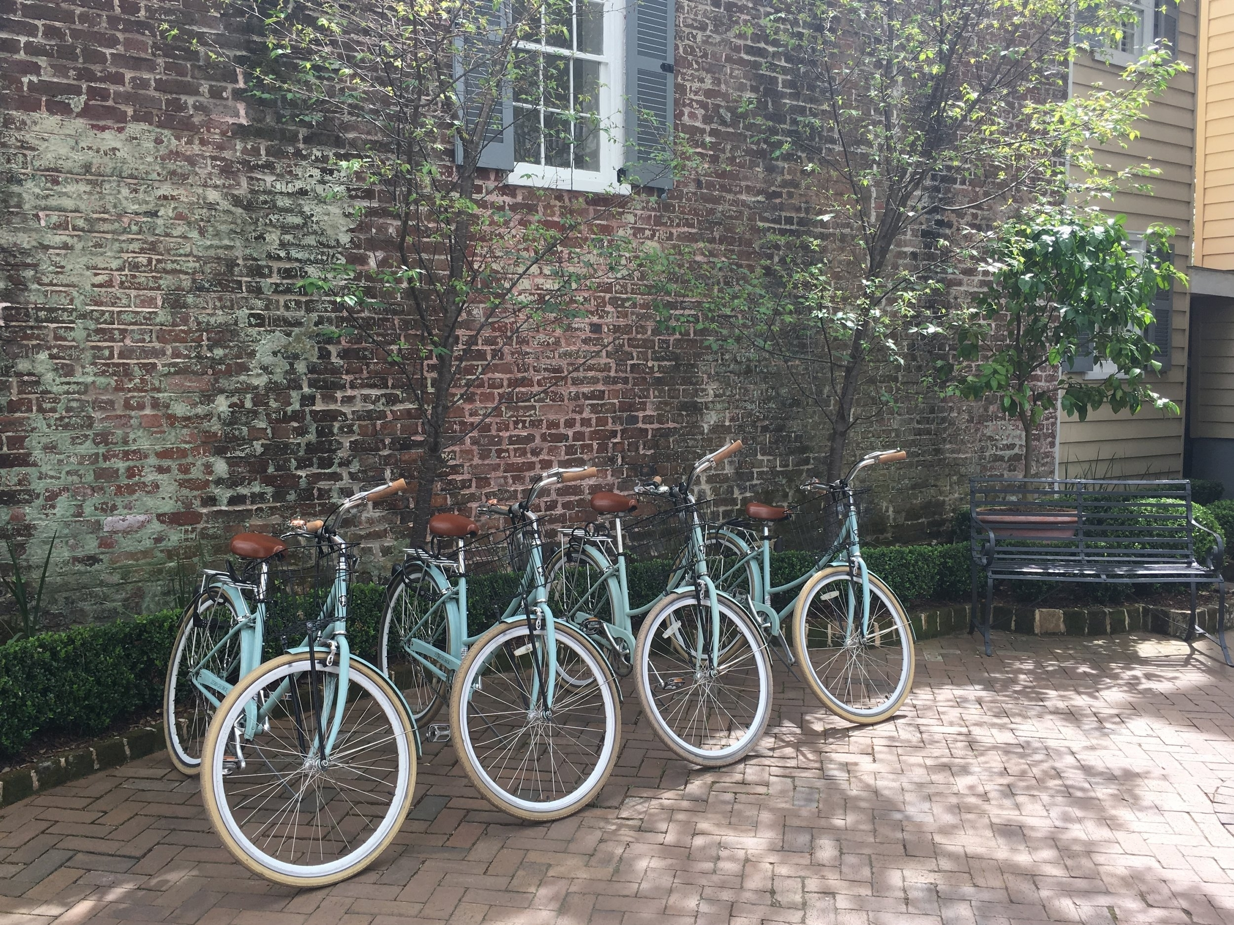 Wanderlust-blog-Charleston-boutique-hotel-bikes