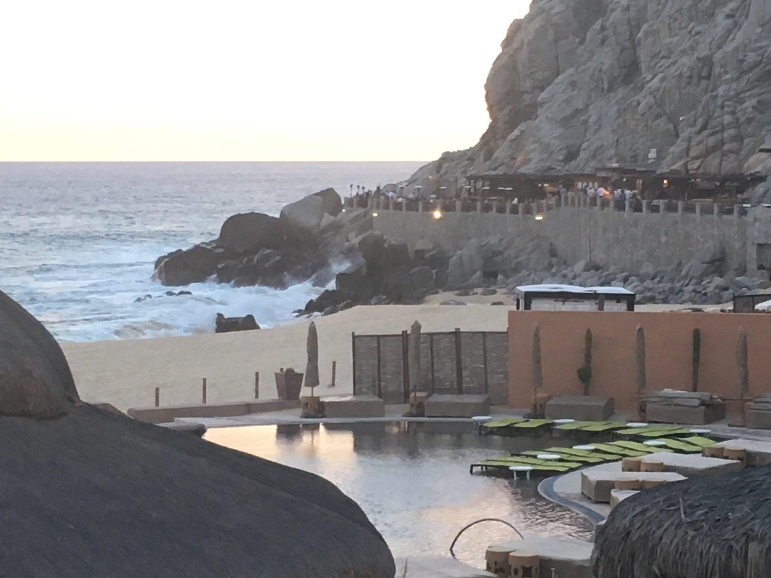 Wanderlust-blog-Resort-at-Pedregal-dining-El-Farallon