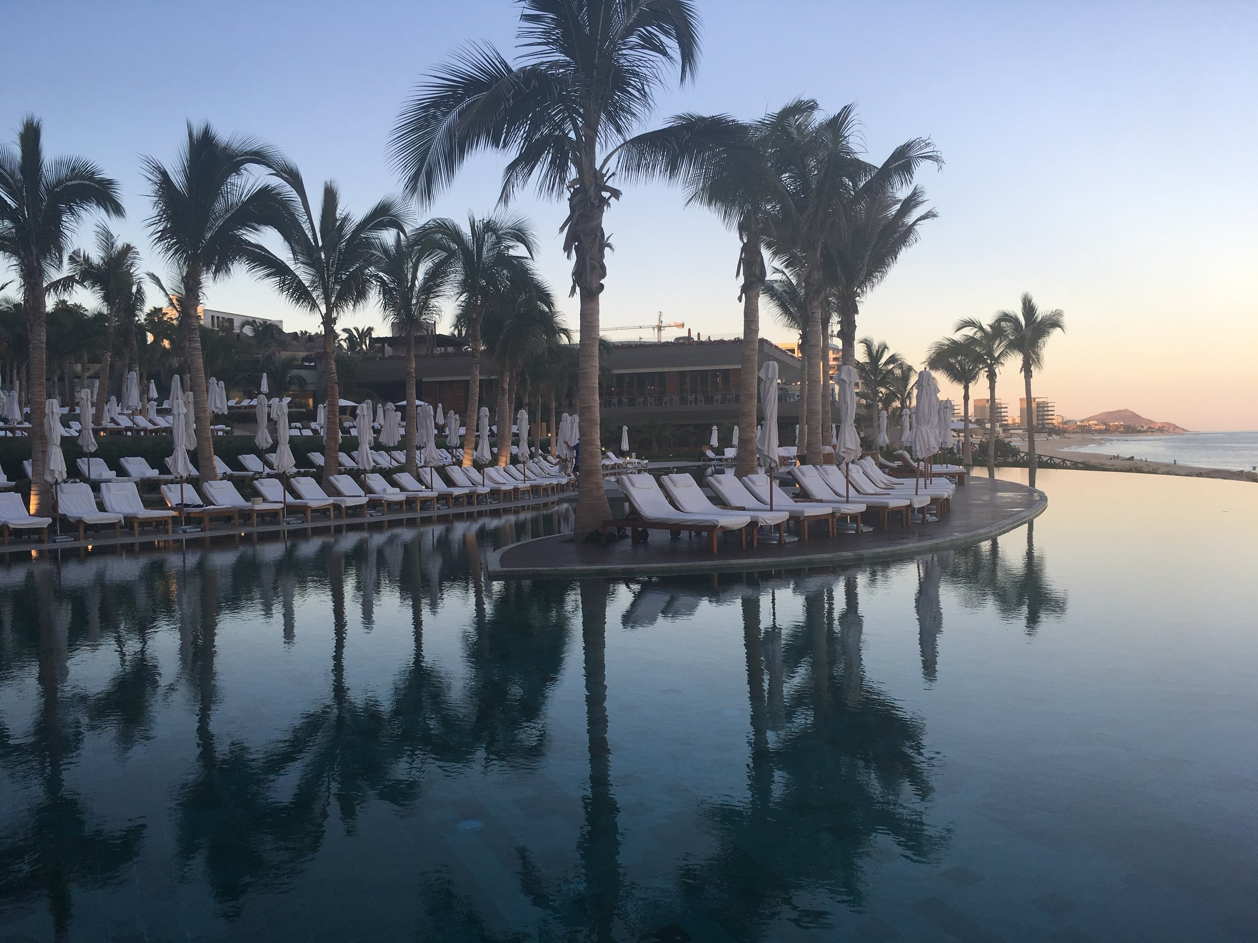 Wanderlust-travel-blog-Grand-Velas-Los-Cabos-infinity-pool