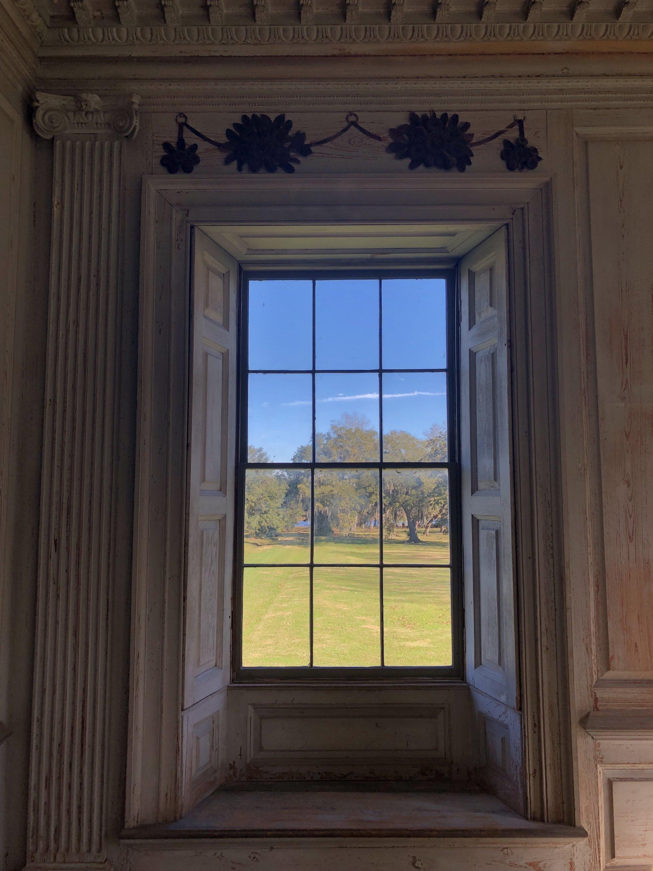 wanderlust-travel-blog-drayton-hall-charleston-manor-window-view