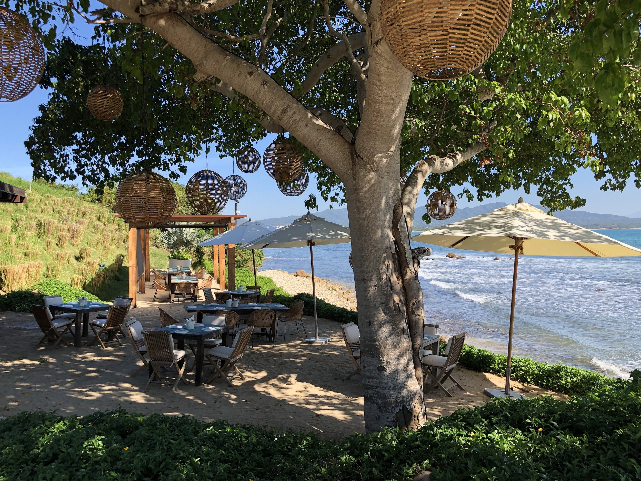 wanderlust-travel-blog-punta-mita-golf-and-beach-club-dining