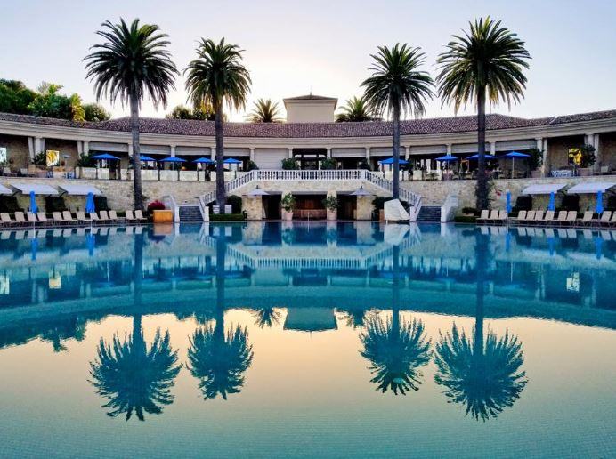 wanderlust-travel-blog-pelican-hill-coliseum-pool