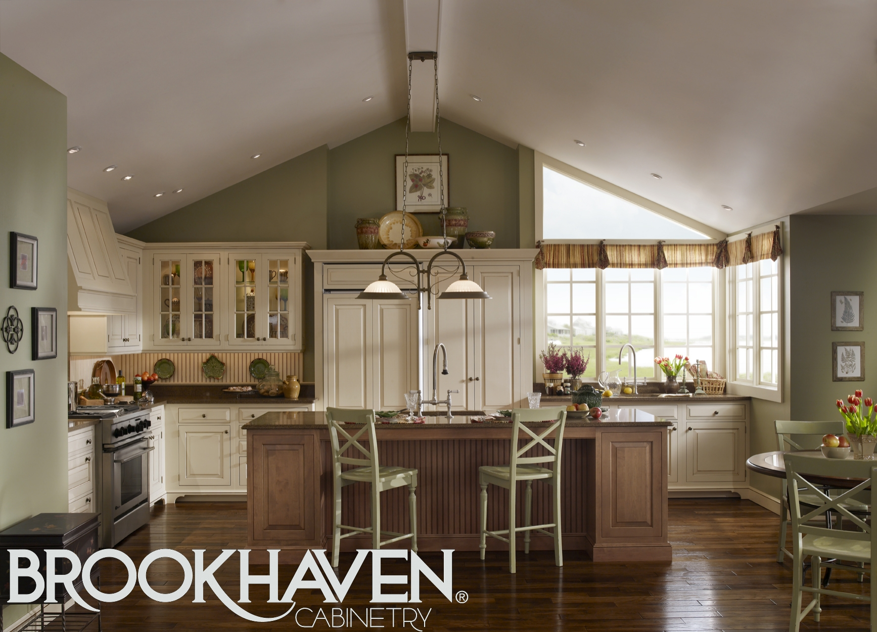 brookhaven-cabinetry-cape-cod-kitchen.jpg