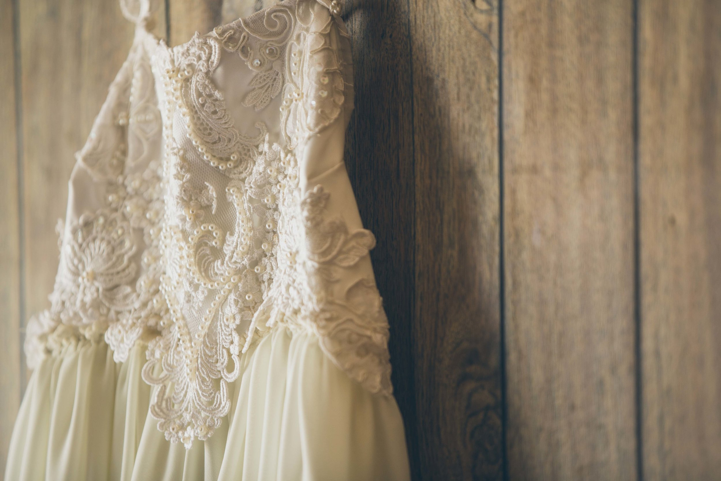 20141024-DePartee-Wedding-APavone-002-sm.jpg
