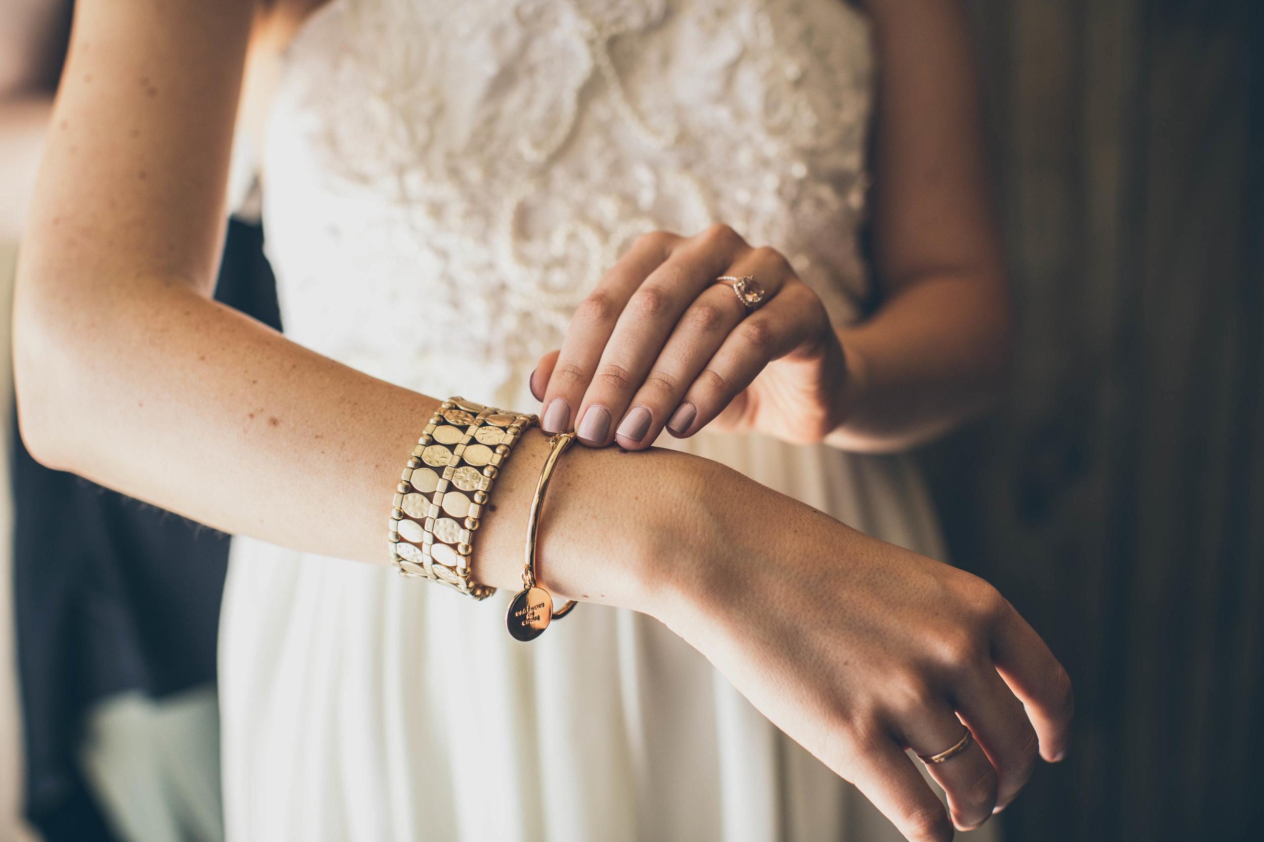 20141024-DePartee-Wedding-APavone-008-sm.jpg