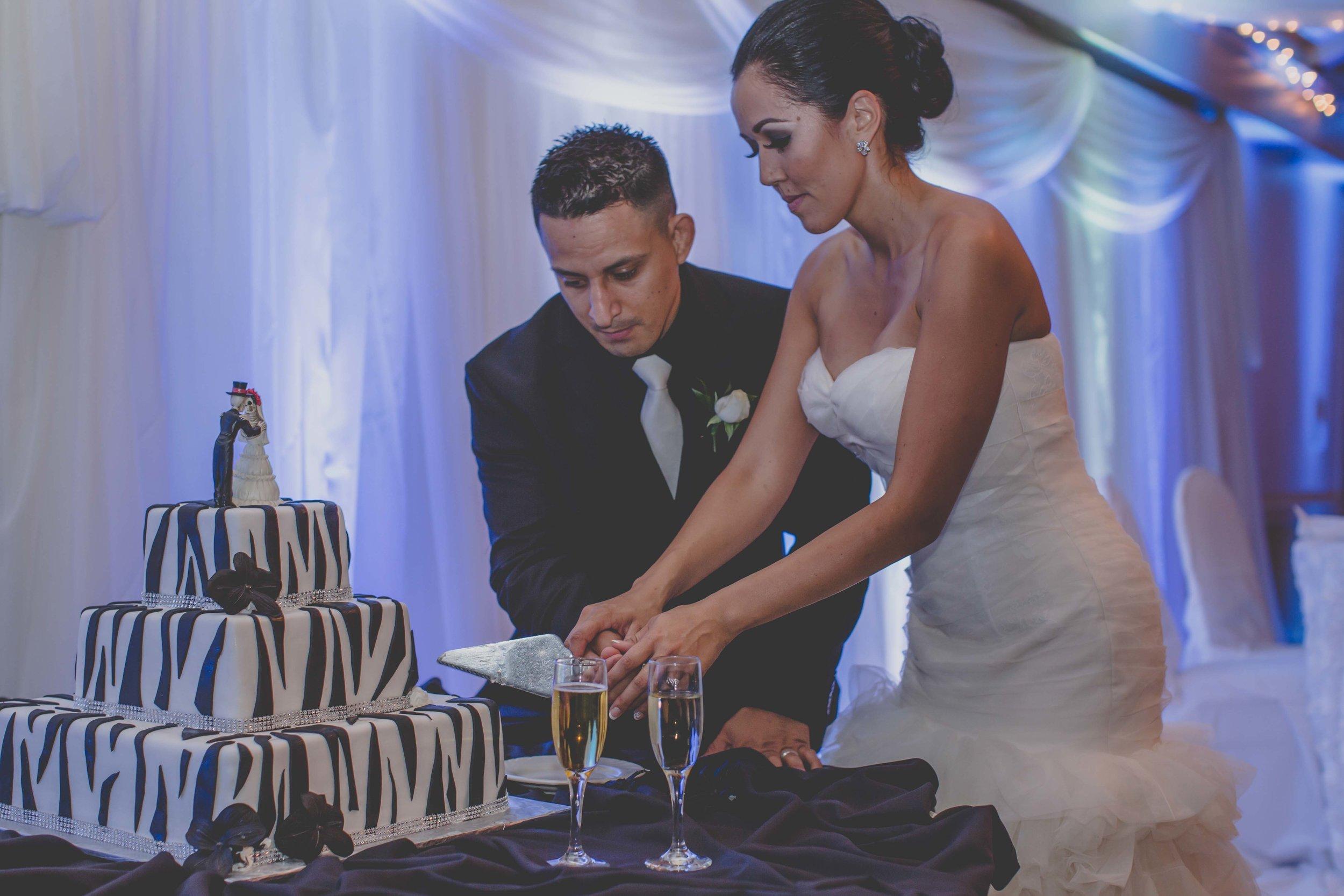 APavone-Photographer-Orange-County-Diamond-Bar-Wedding-085.jpg