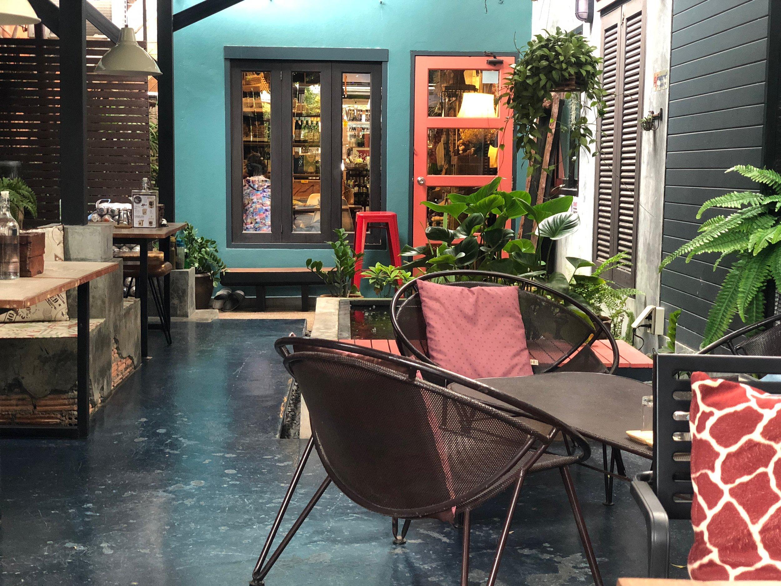 samui_health_shop_back_patio.jpg