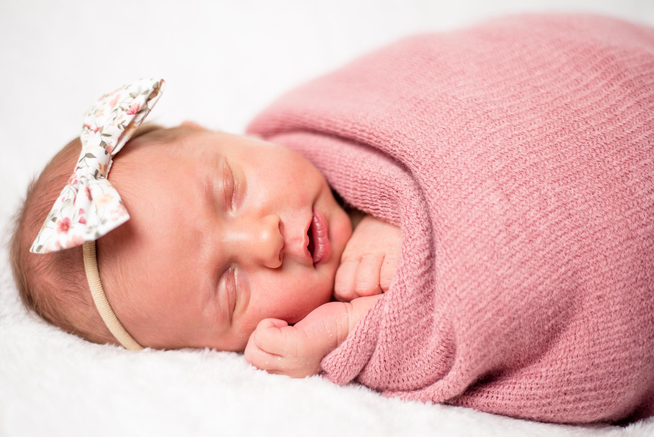 WEB_ONLY_Rylee_Holt_Newborns_CarolLee_Photo-12.jpg