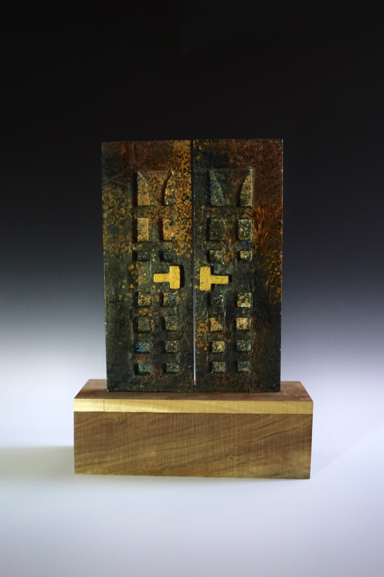 EMMETT BARNACLE  - Providence, RI   Slice of Home   cast glass and wood, $2,000