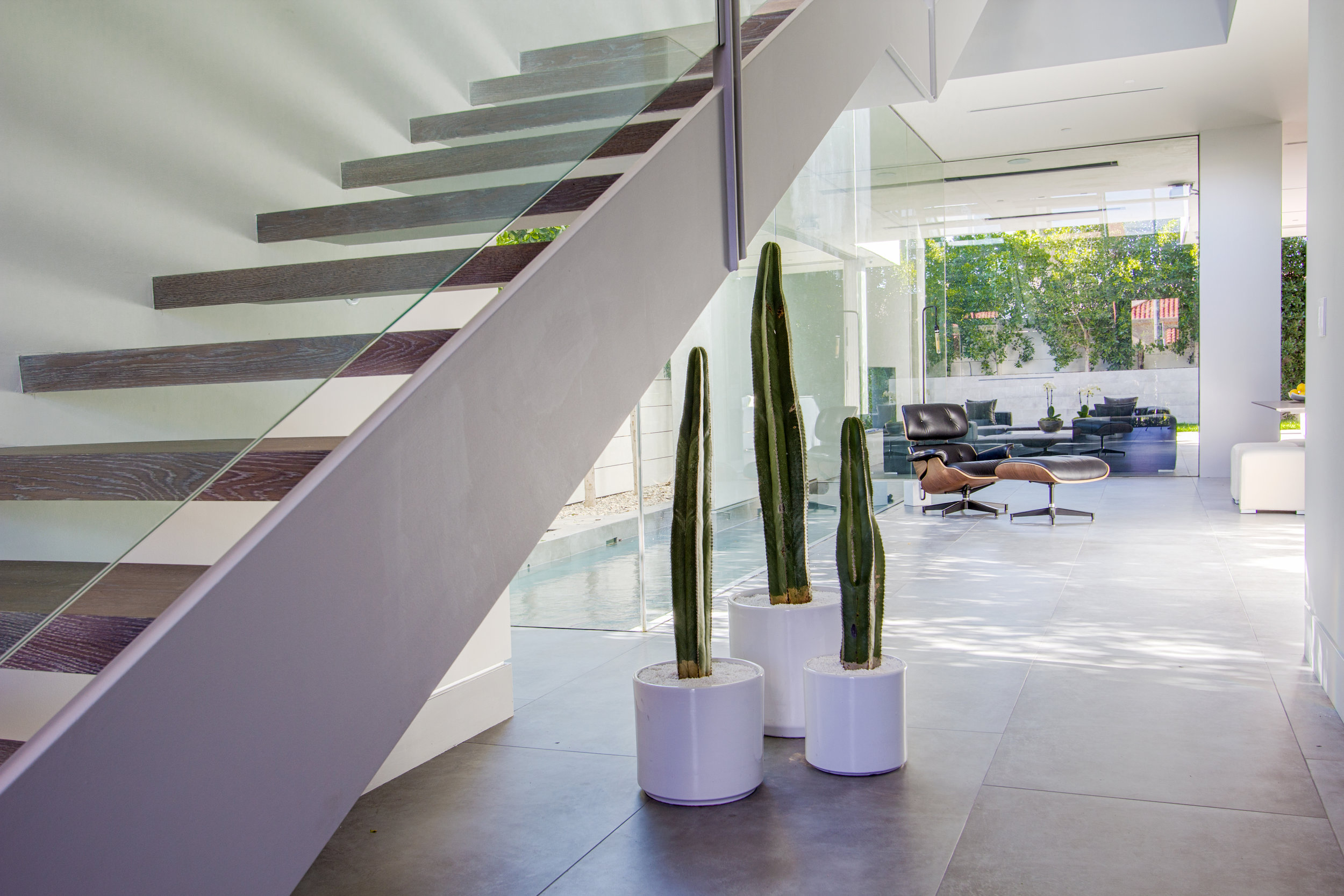 479_S Holt Ave_Modern_House_Entryway_1.jpg