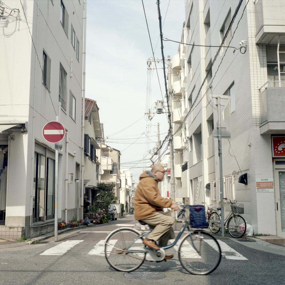 Kobe-YashicaMat124G-ParisBrummer3.JPG