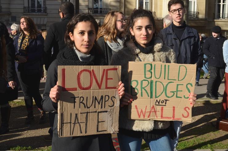 """""""Build bridges, not walls"""" © Lara Bullens"""