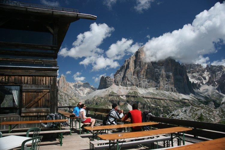 italian alps hiking tours