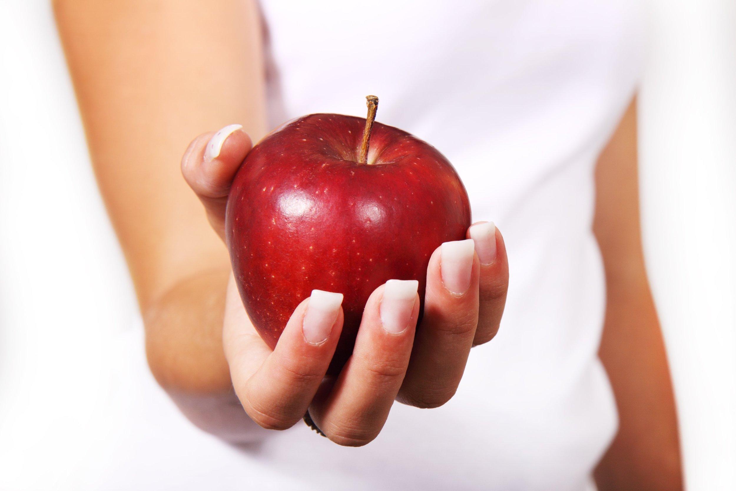 apple-diet-female-food-42068.jpeg