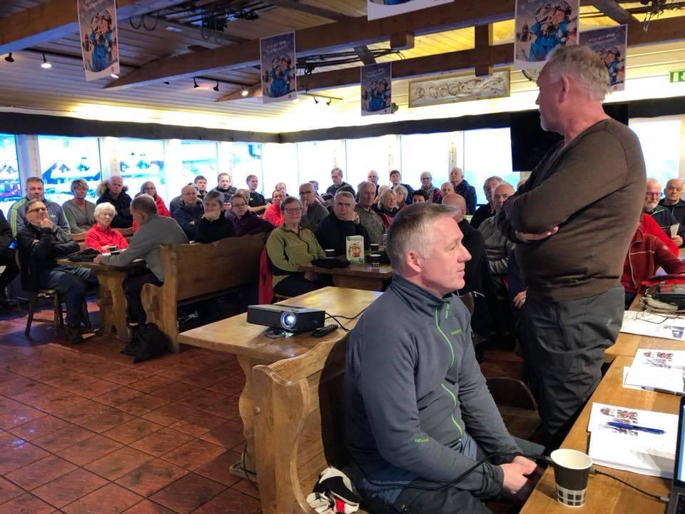 Godt over 100 medlemmer tok turen til årsmøte i Bortelid ve- og hyttelag i varmestua på skisenteret lørdag ettermiddag