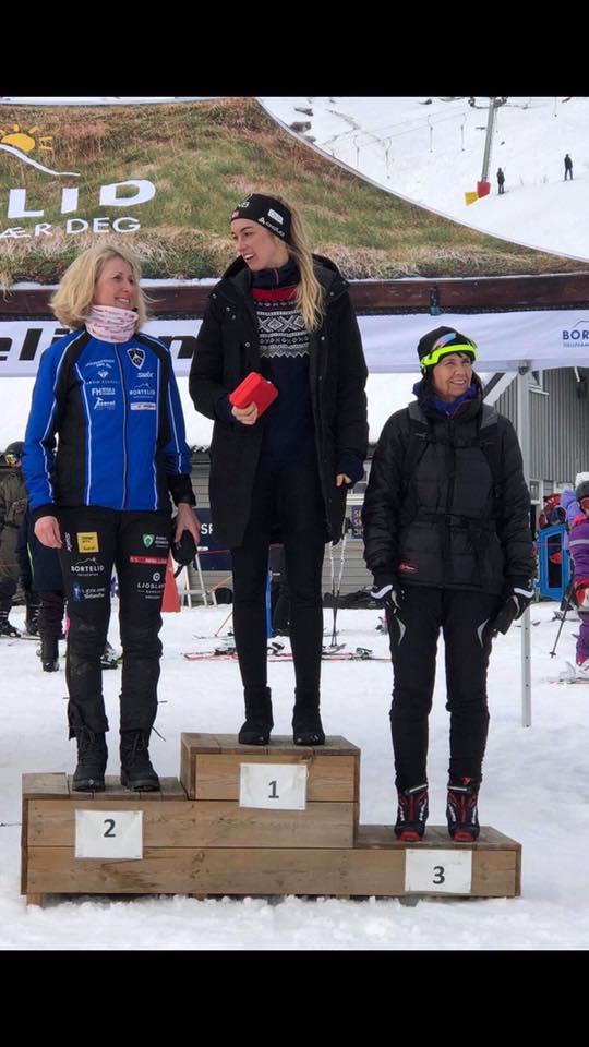 1. plass Lisa Løkås, 2. plass Siri Marit Aasland, 3. plass Karin Nielsen på lørdagens Bortebeiner i klassisk stil.