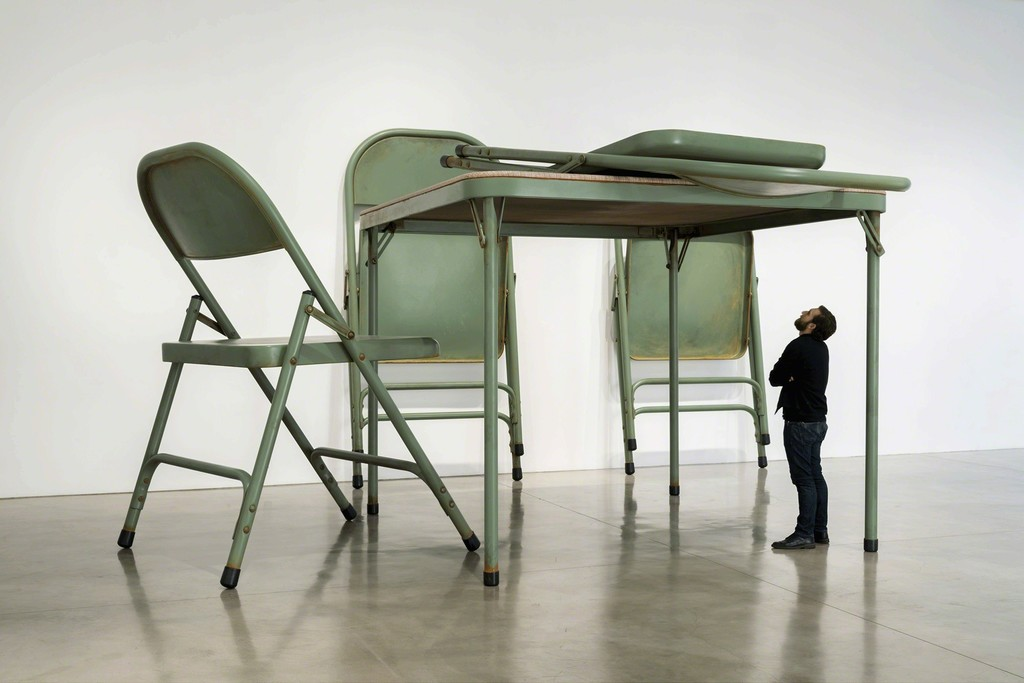 Gagosian, Robert Therrien