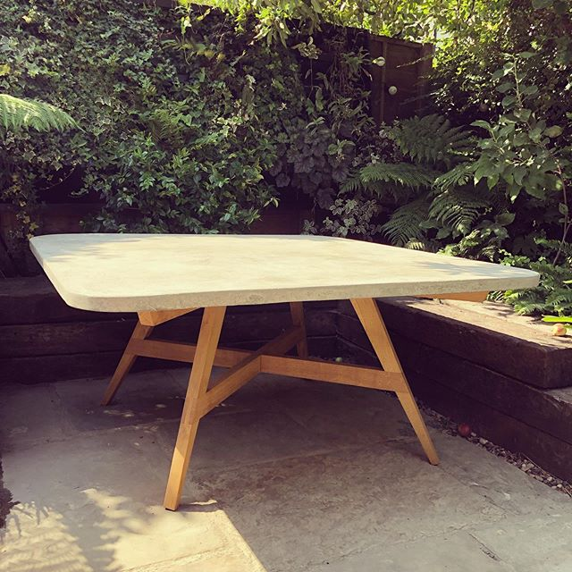(Almost finished) garden table in Concrete and Oak. First time using Concrete. Bit of a comedy of errors. A lot of lessons (hopefully) learnt 😅#oak #concrete #gardendesign #gardenfurniture #london #bespoke #craft #carpentry #table