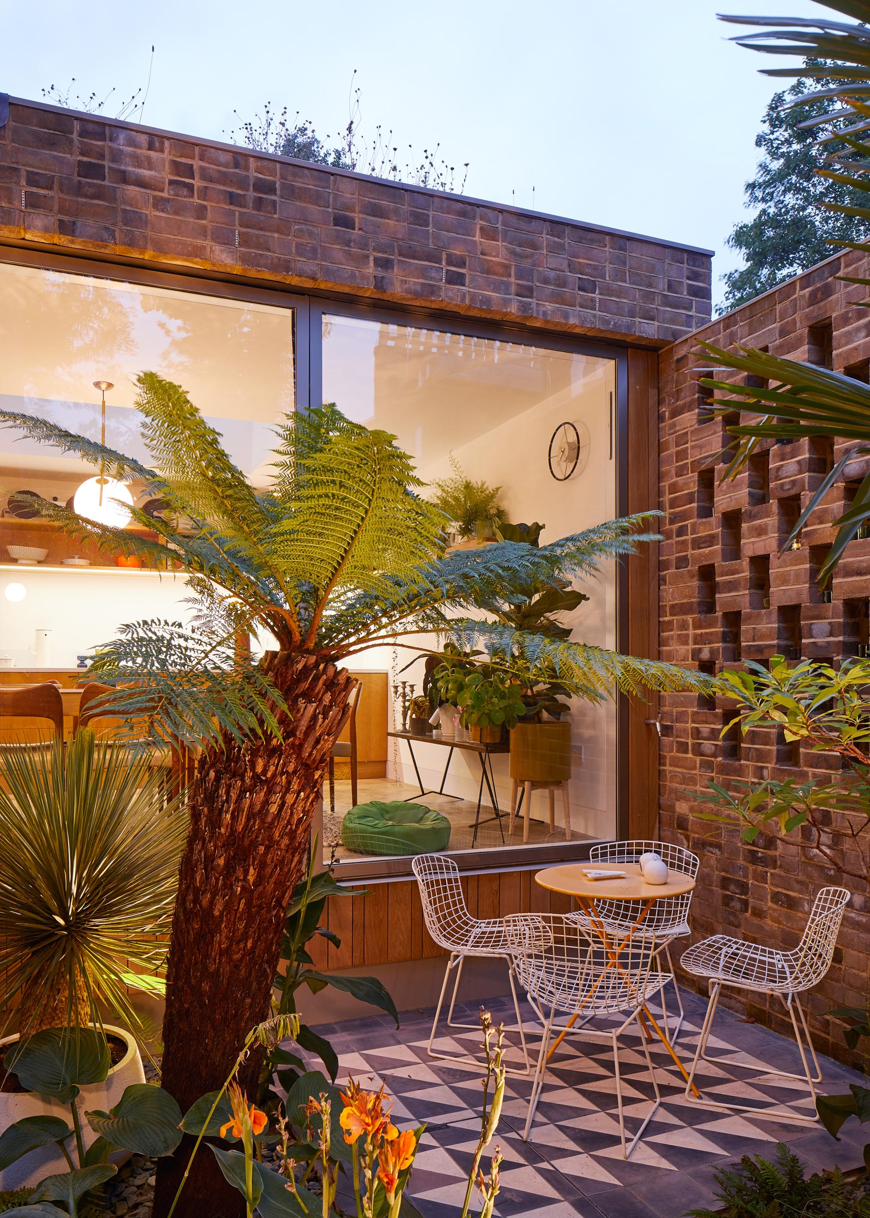 APERTURE HOUSE, LONDON: PAUL ARCHER DESIGN