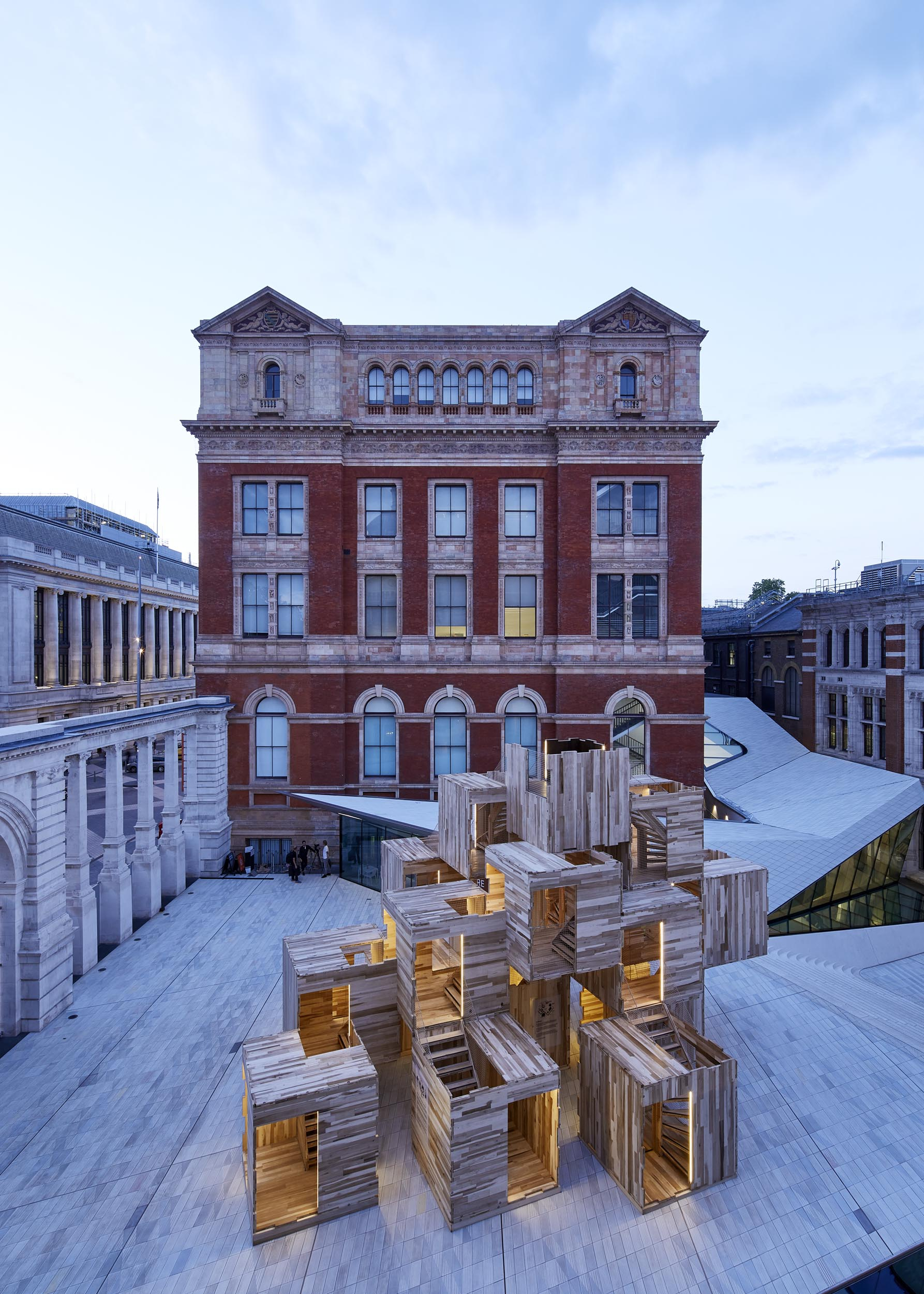 MULTIPLY, V&A MUSEUM: WAUGH THISTLETON ARCHITECTS