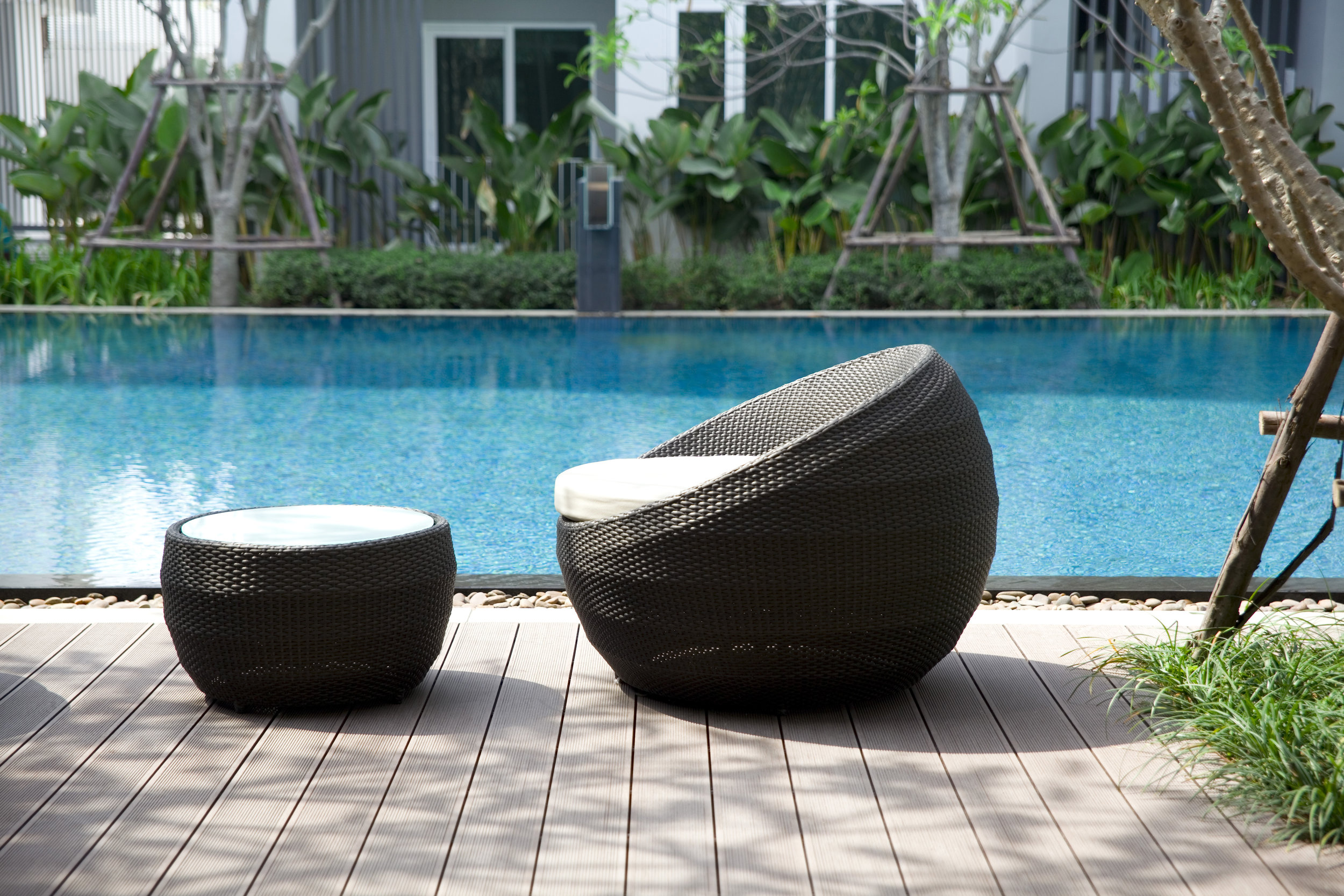 OASIS - The look of wicker marries the resilience of resins