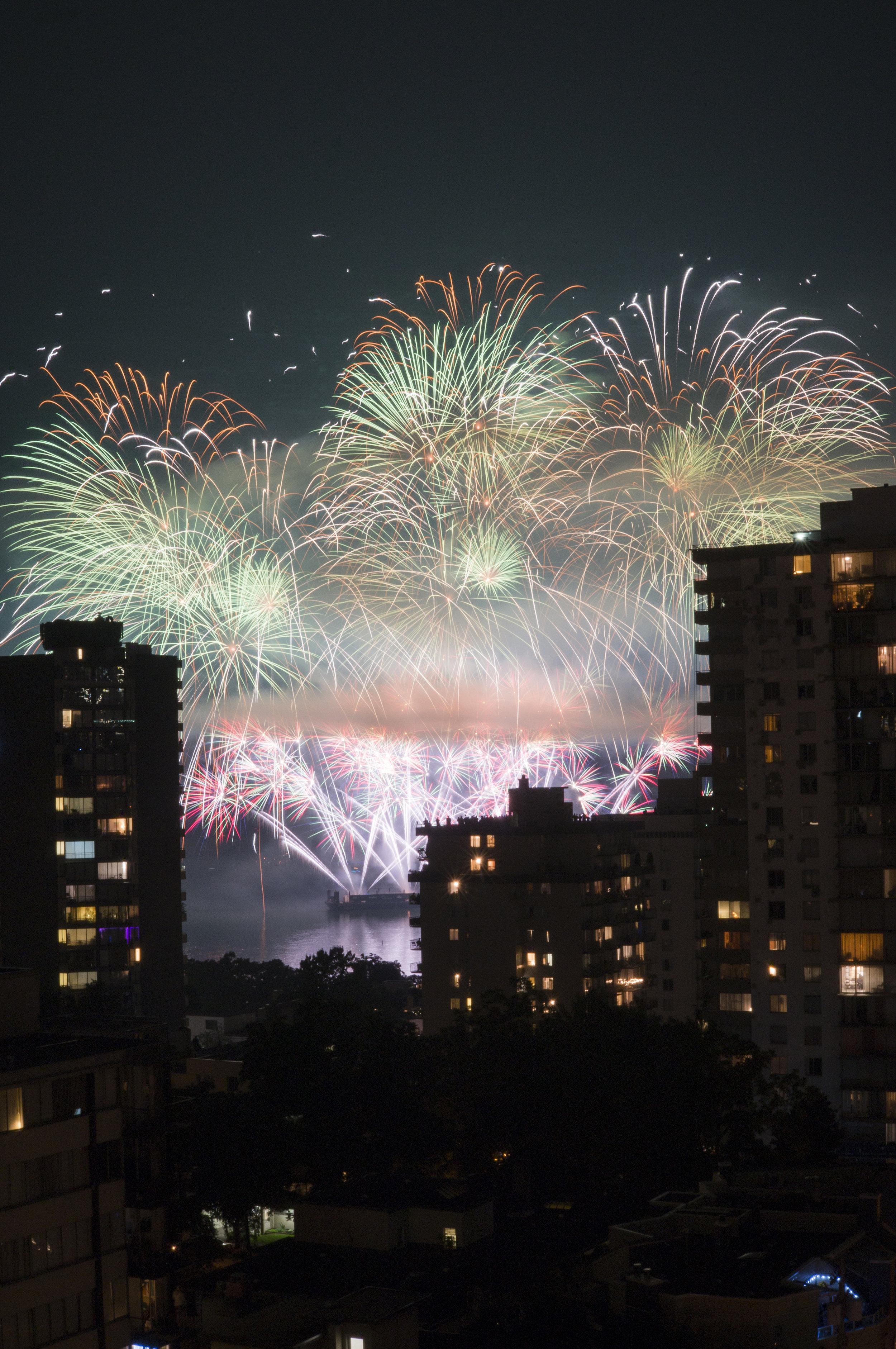 fireworks_uk.1009.jpg