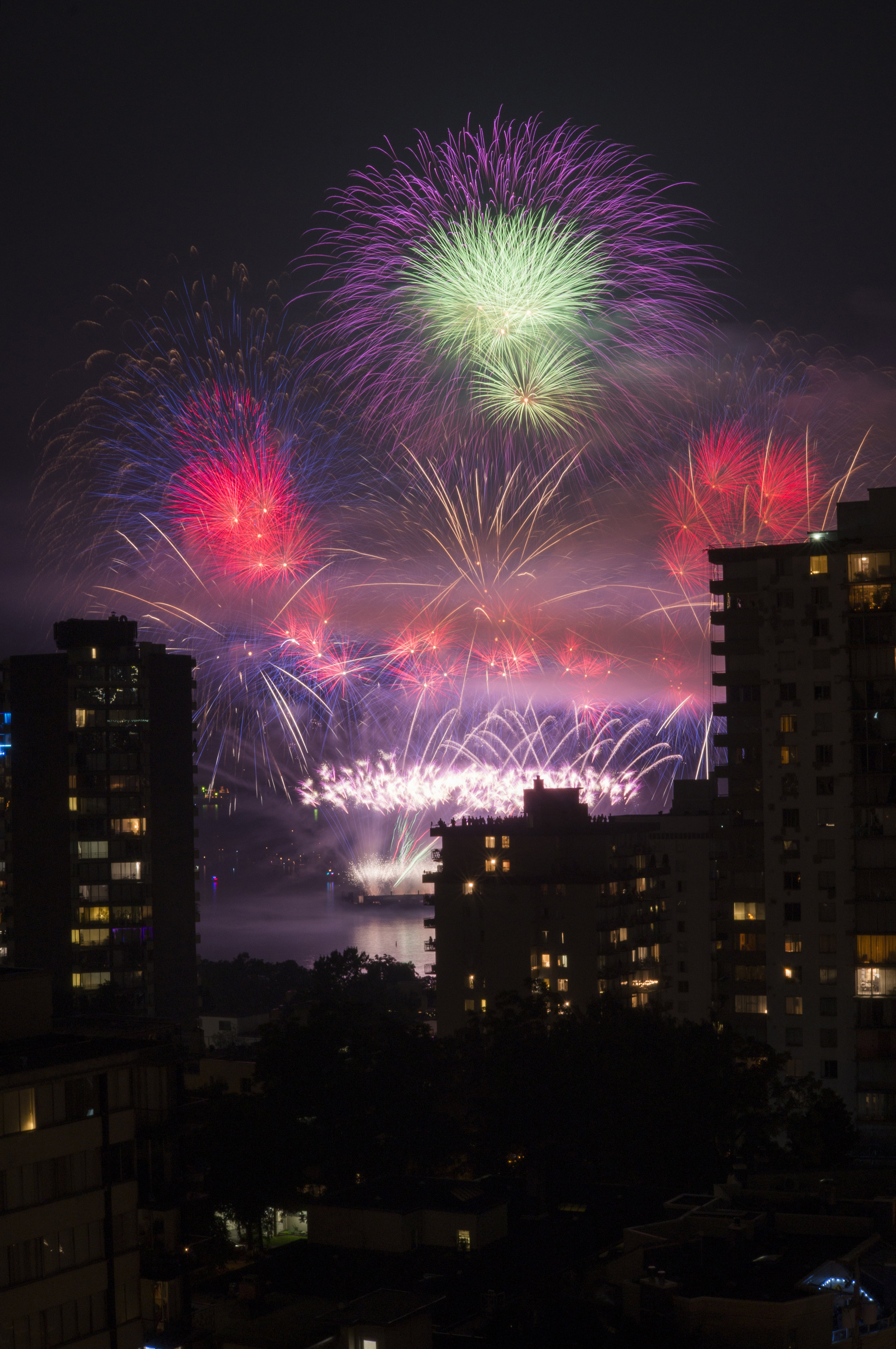 fireworks_uk.1014.jpg