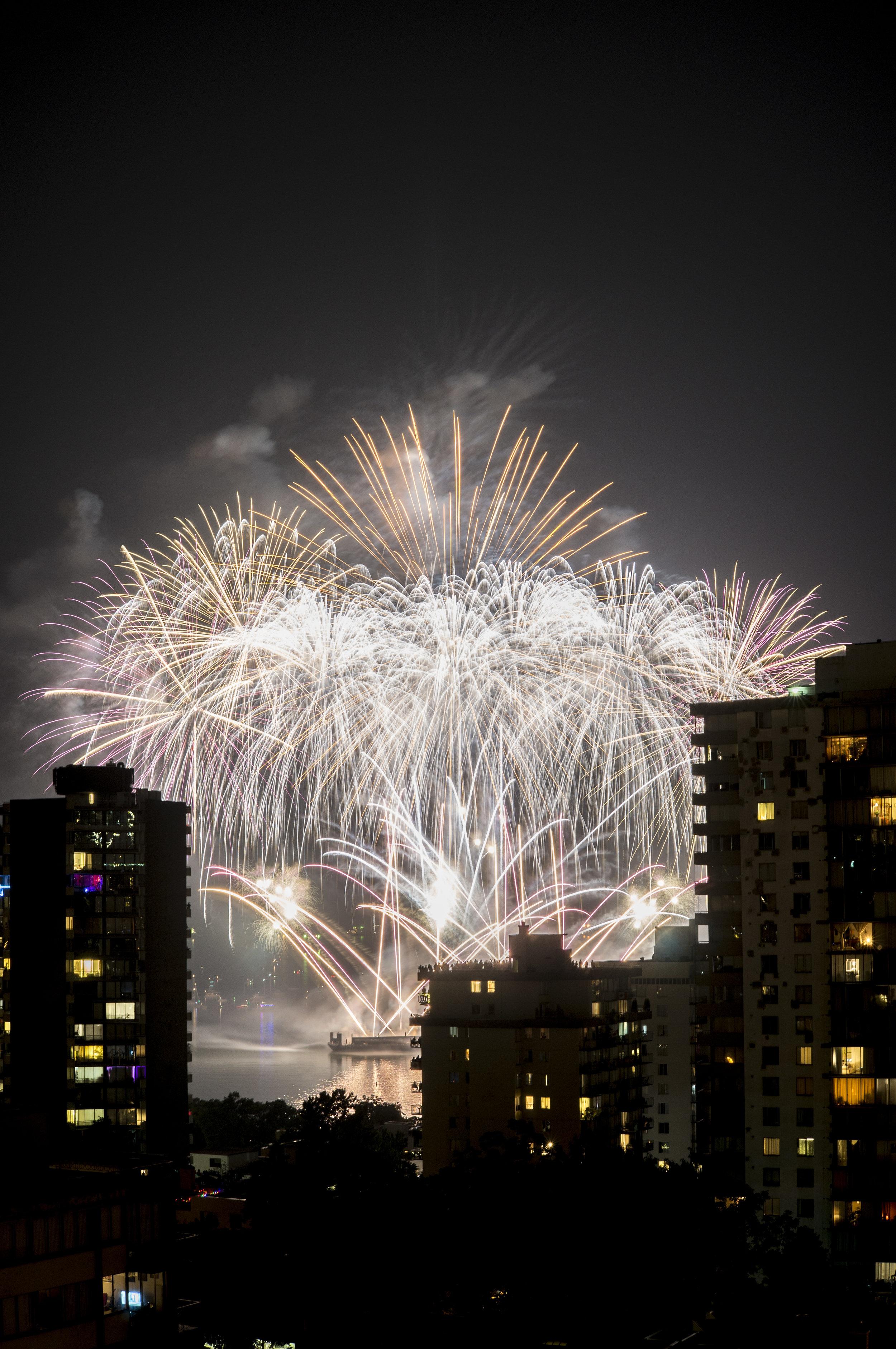 fireworks_canada.1011.jpg