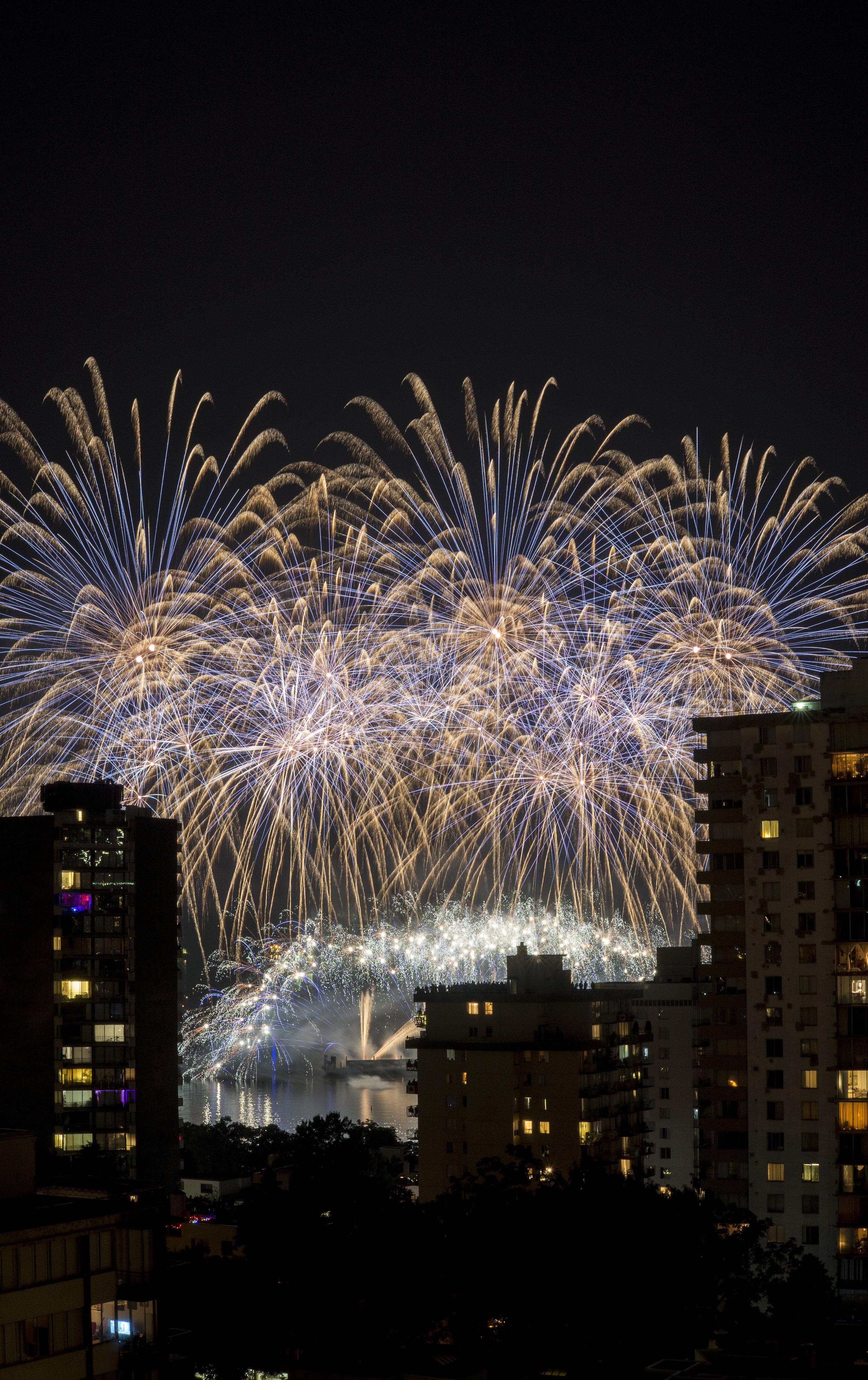 fireworks_canada.1013.jpg