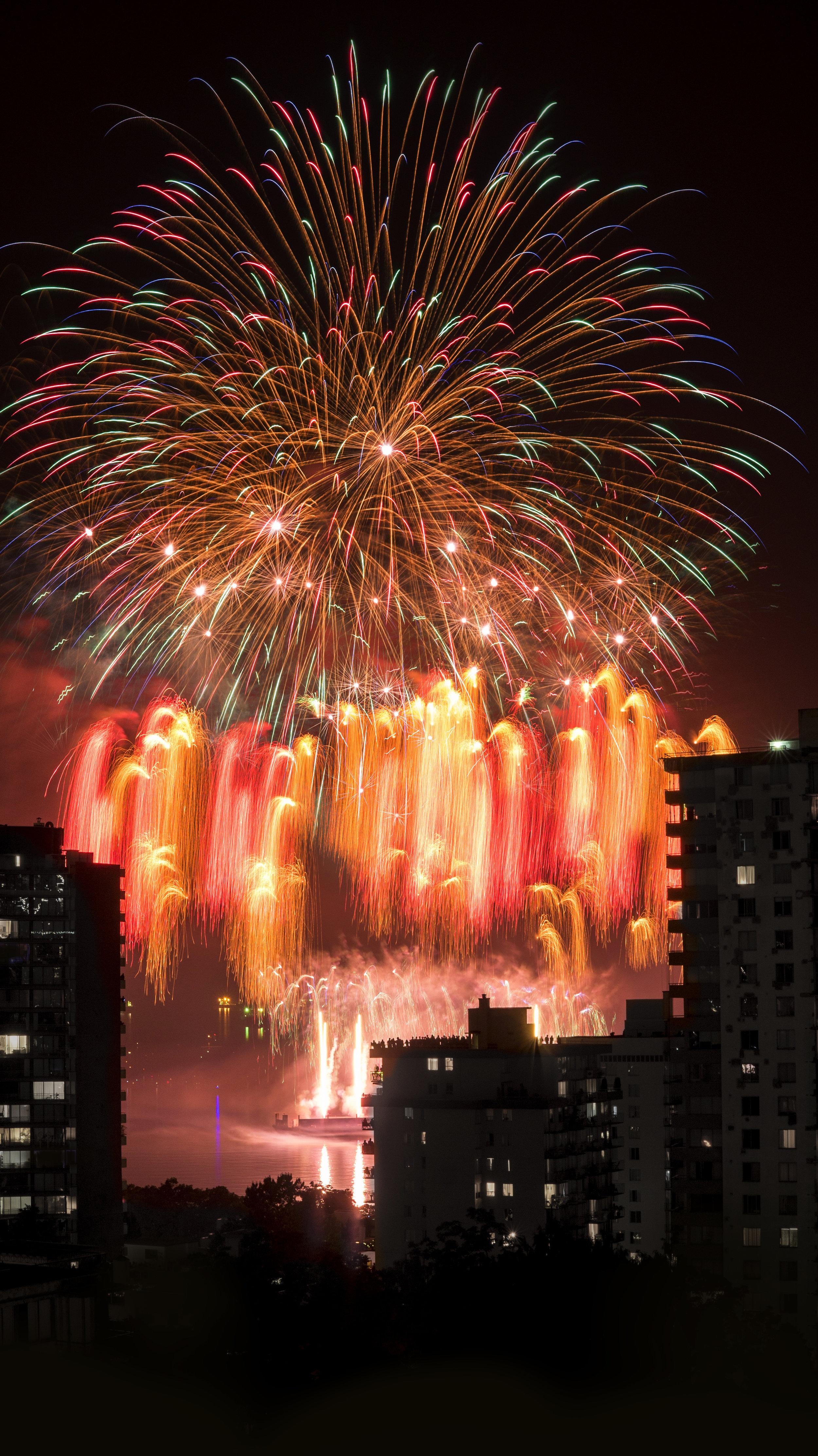 fireworks_canada.1015b.jpg