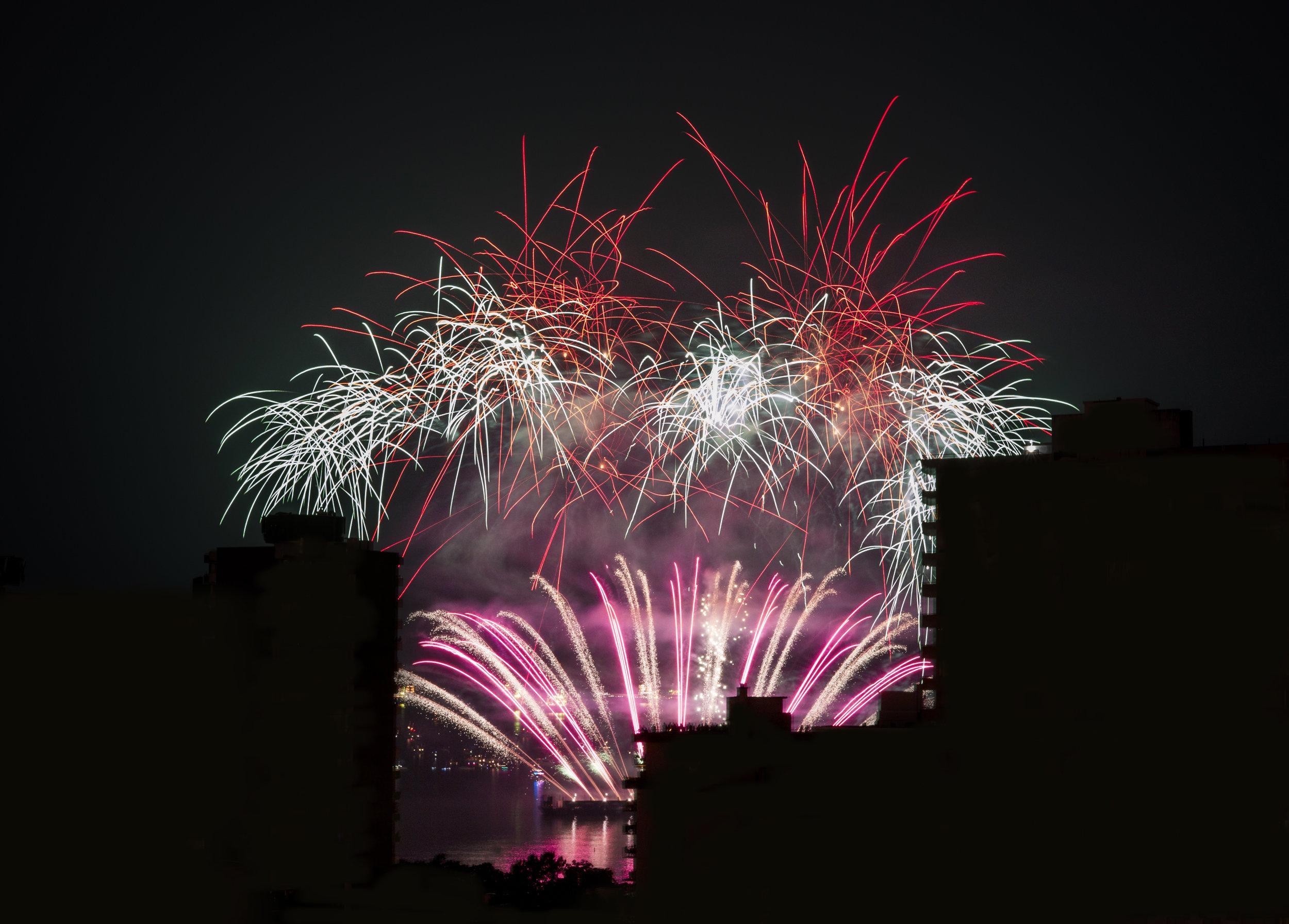 fireworks_uk.1001b.jpg